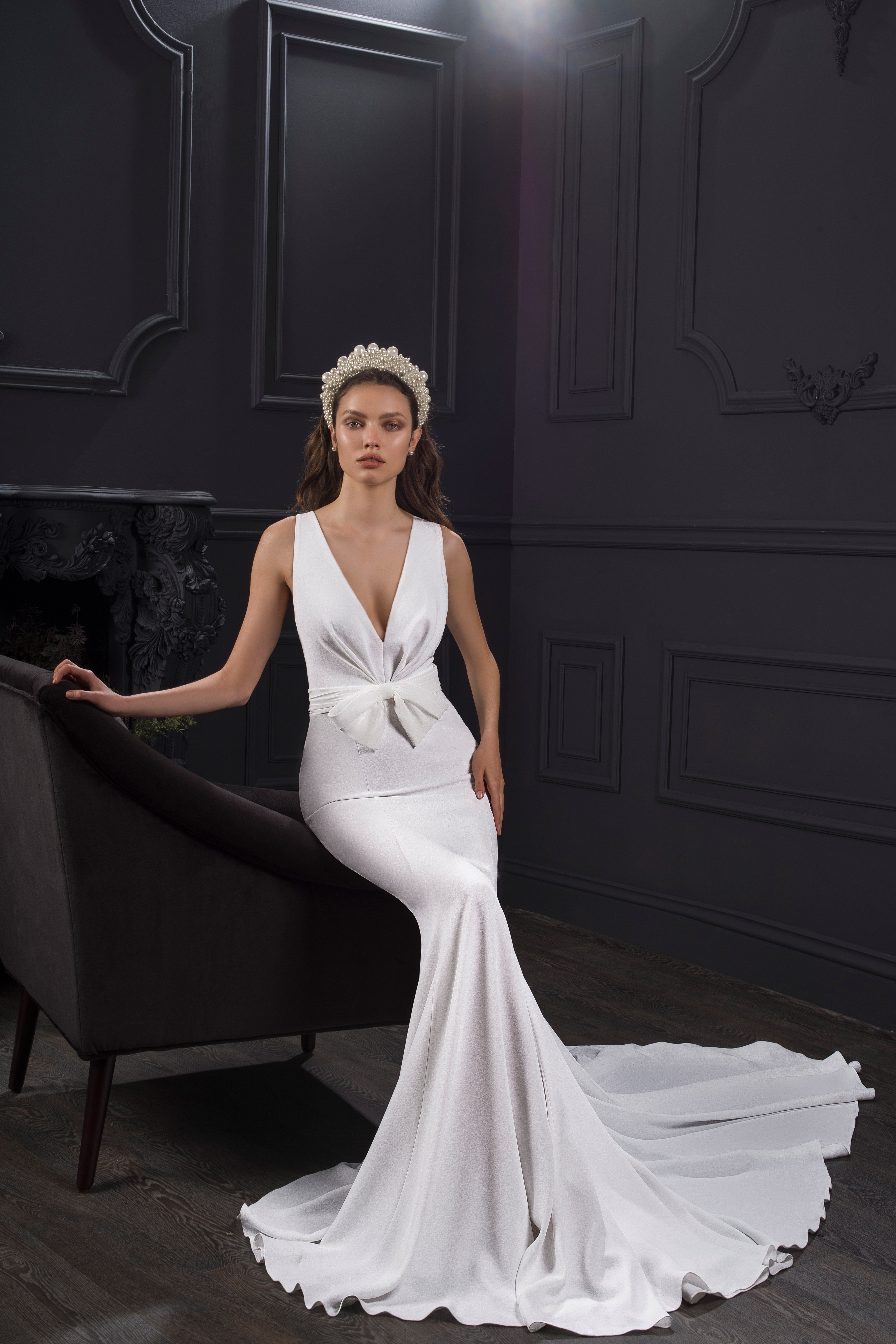 wide strap sleeveless deep v-neck bow mermaid wedding dress Lihi Hod Spring 2020