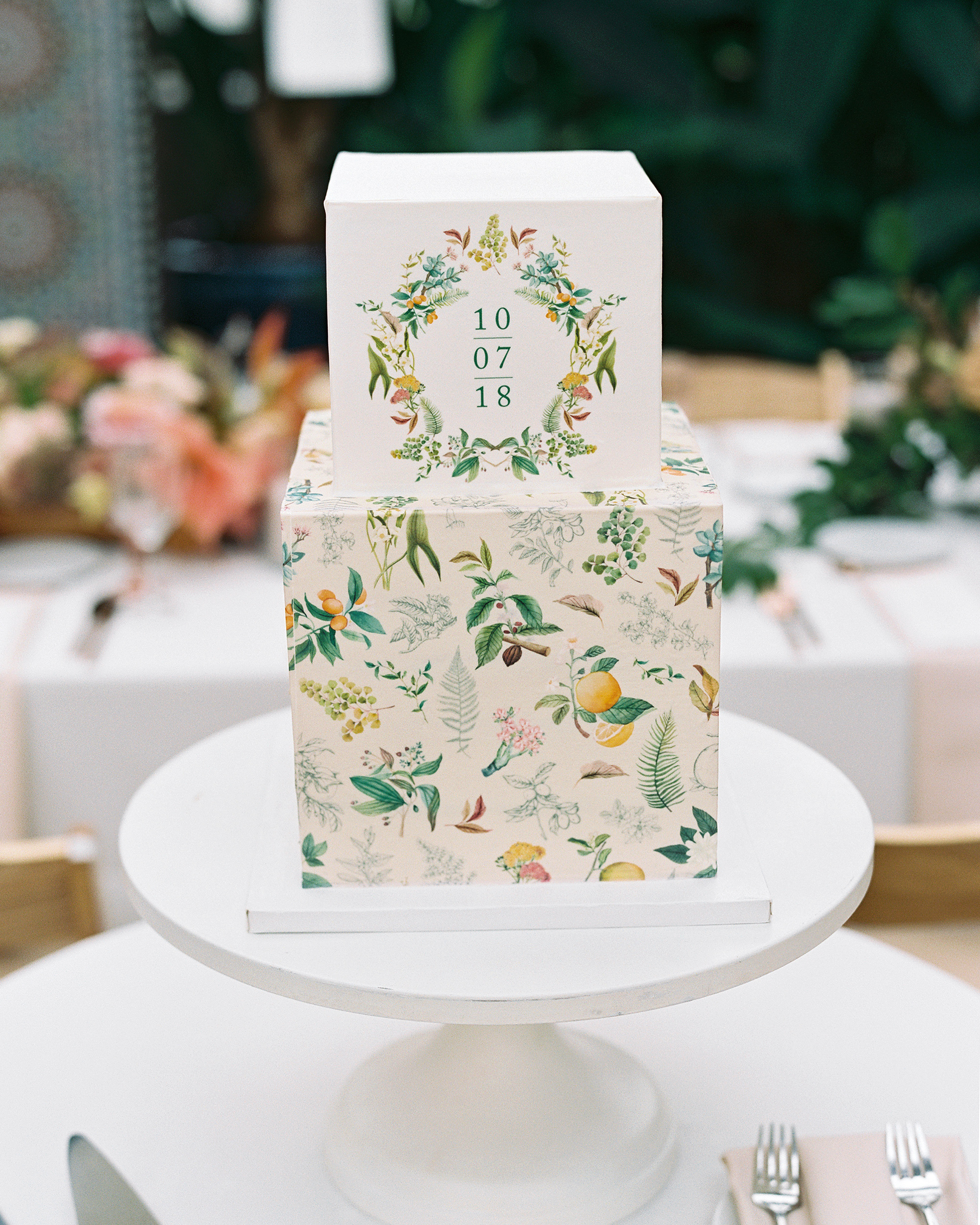 Cube-Shaped Wedding Cakes for Your Contemporary Dessert Table