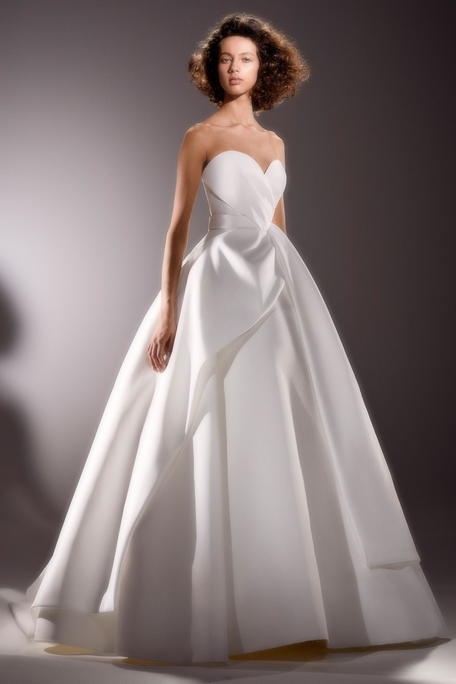 viktor and rolf strapless sweetheart ballgown wedding dress spring 2020