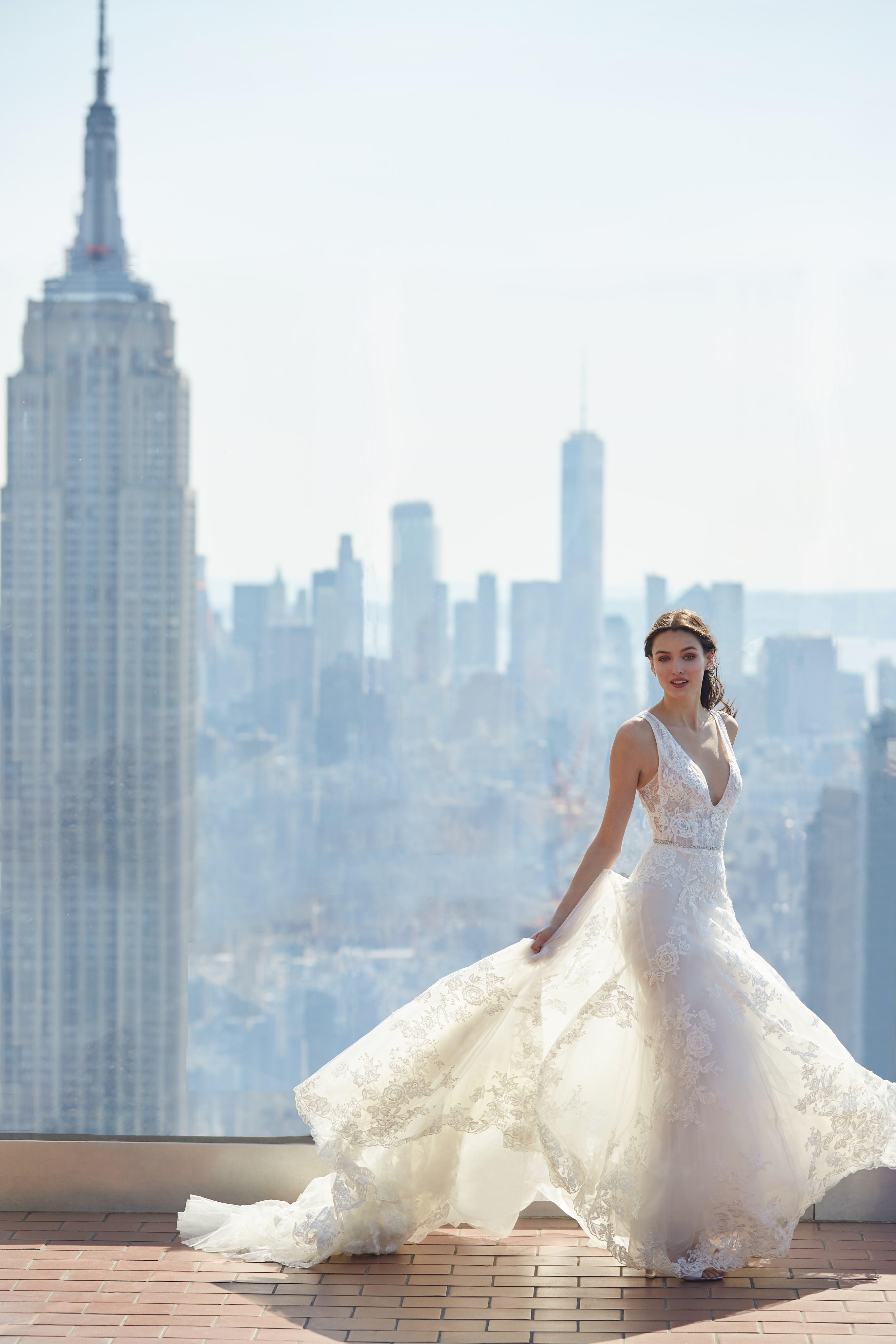 monique lhuillier bliss deep v lace overlay wedding dress spring 2020