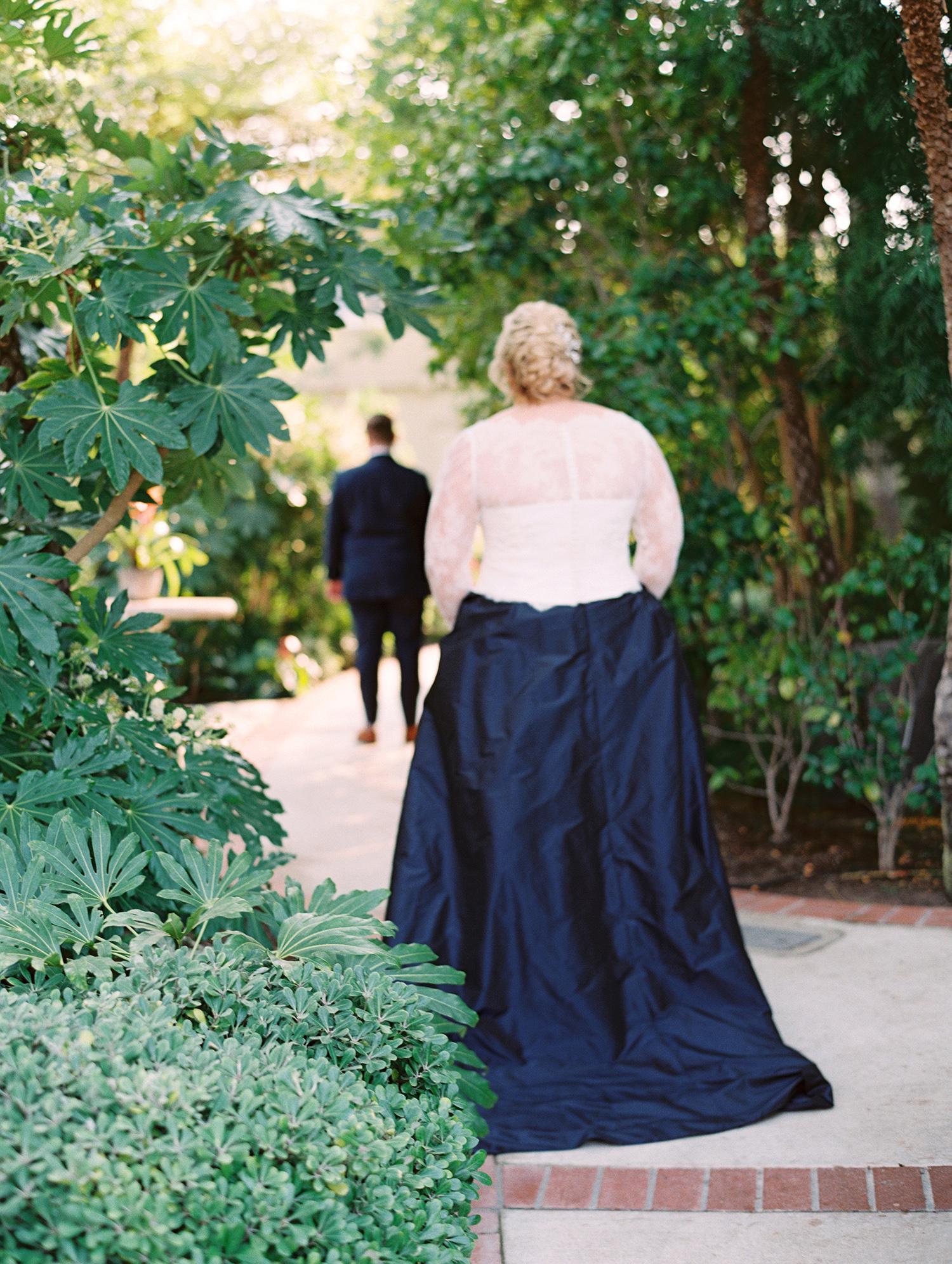 elizabeth scott wedding first look