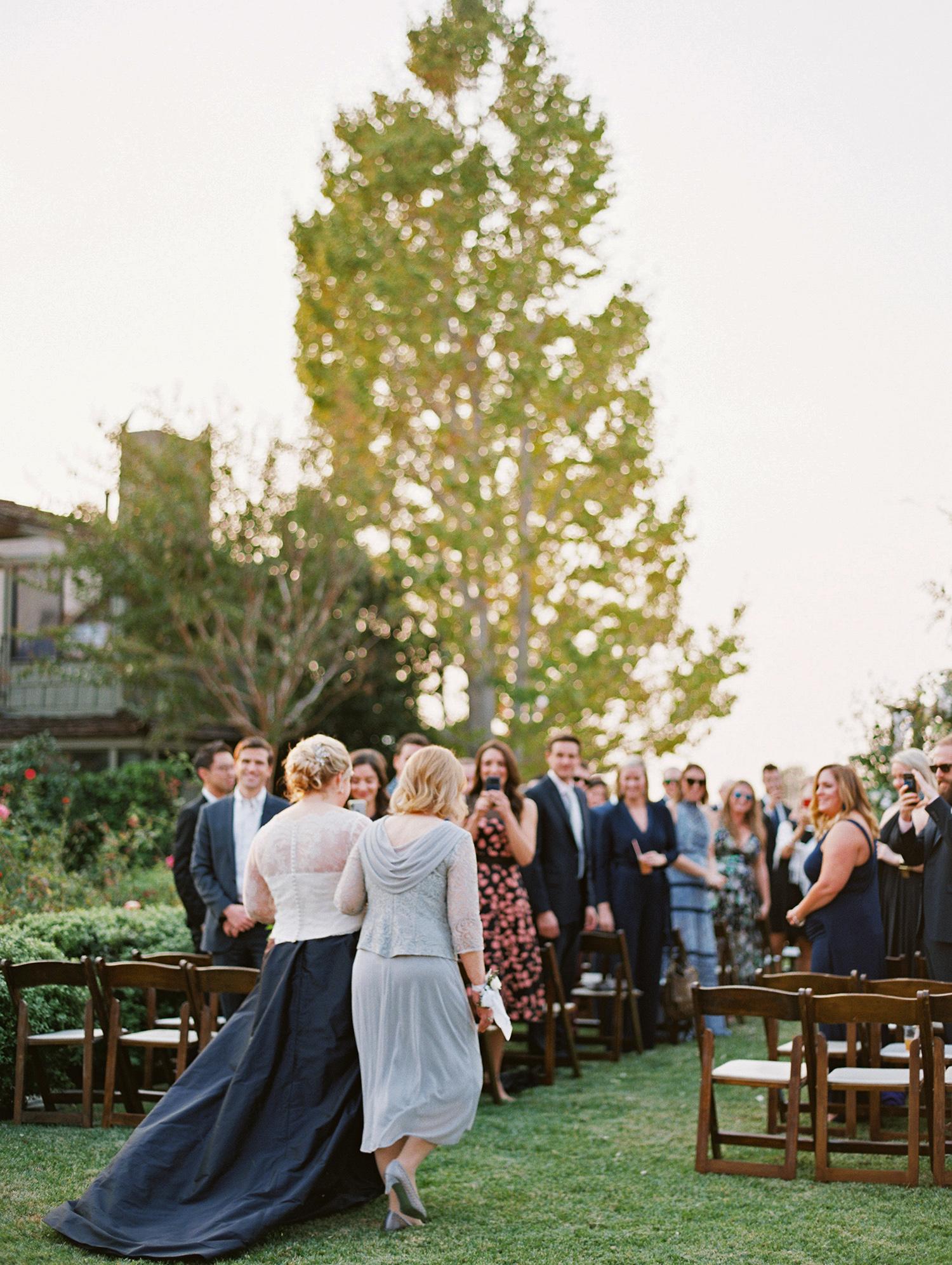 elizabeth scott wedding aisle