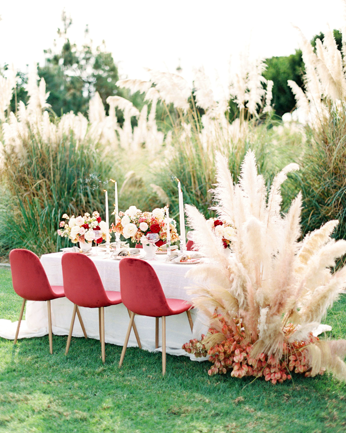 Trending Now: Pampas Grass Wedding Ideas