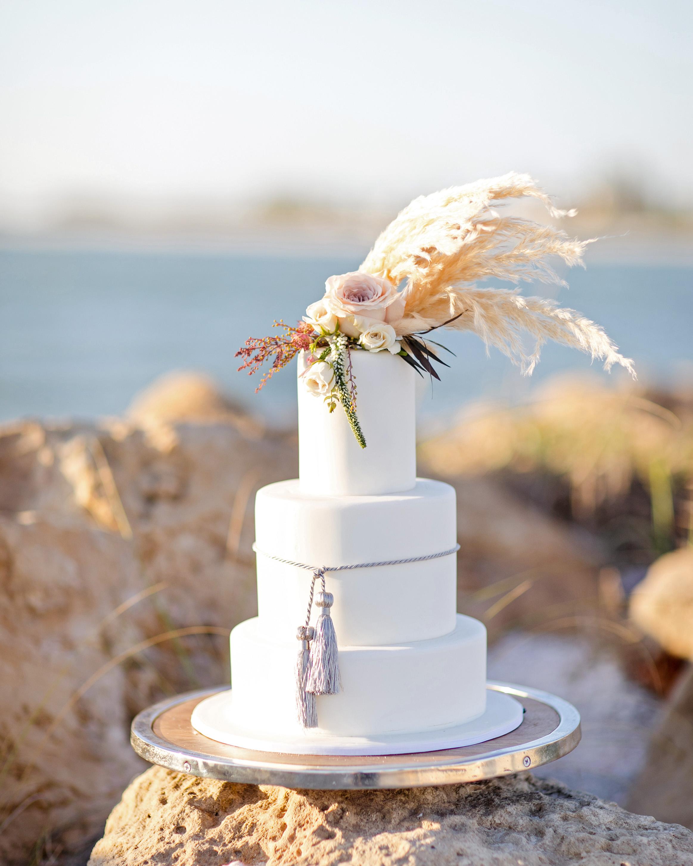 pampas grass ideas cake topper