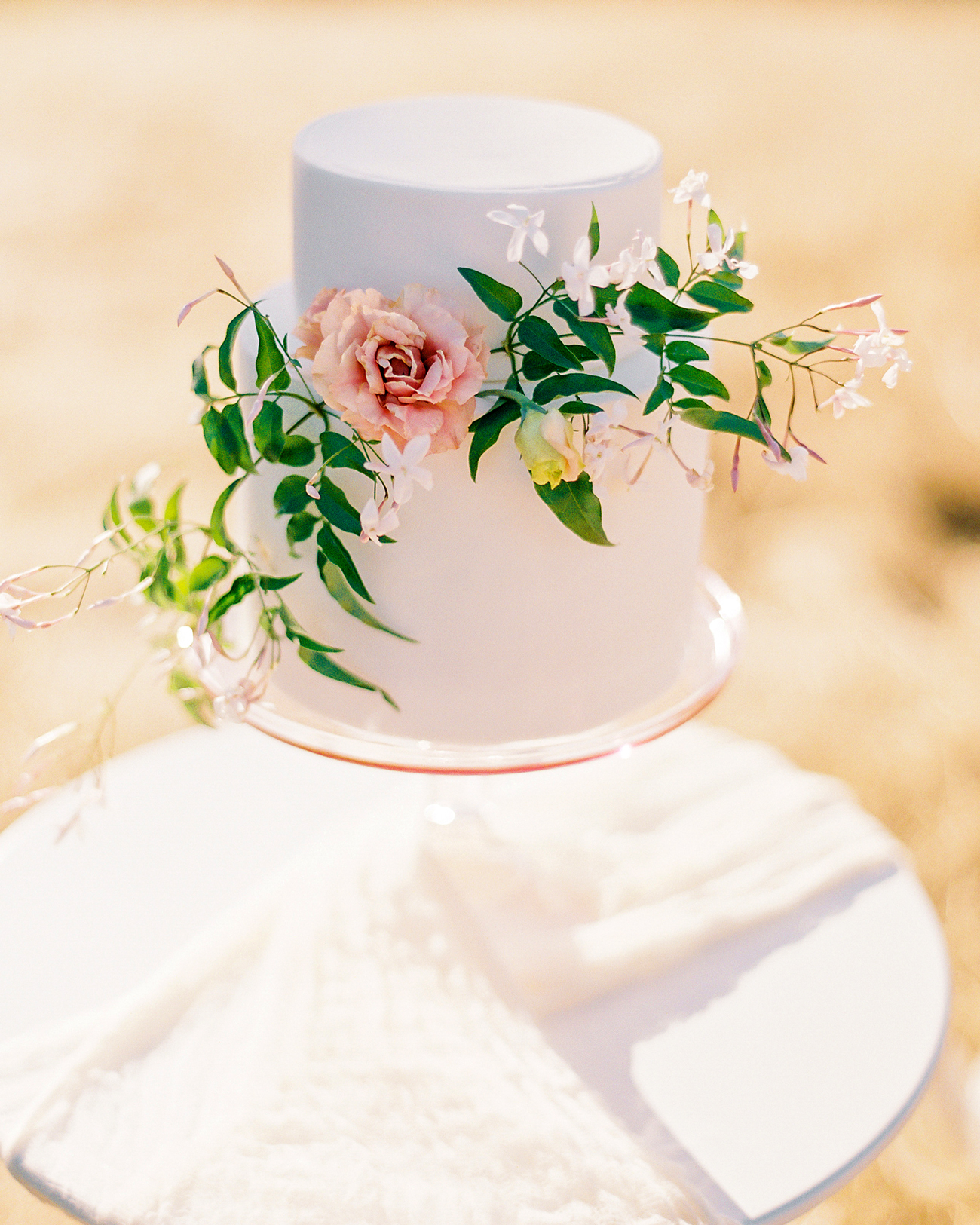 Does a Dummy Wedding Cake Really Save You Money?