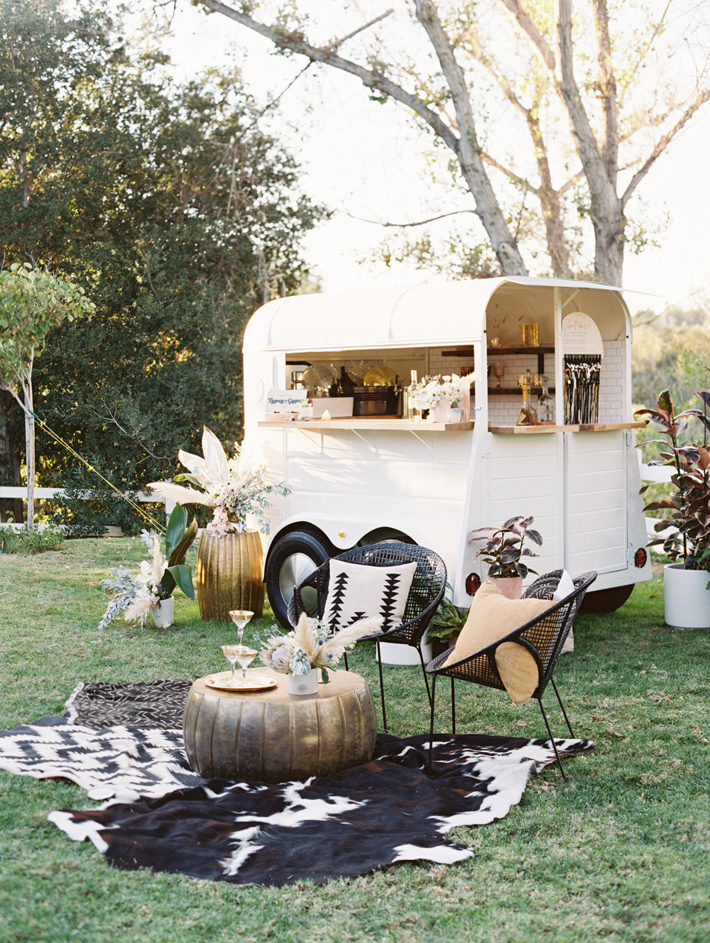 animal print wedding ideas hide decorating outdoor bar