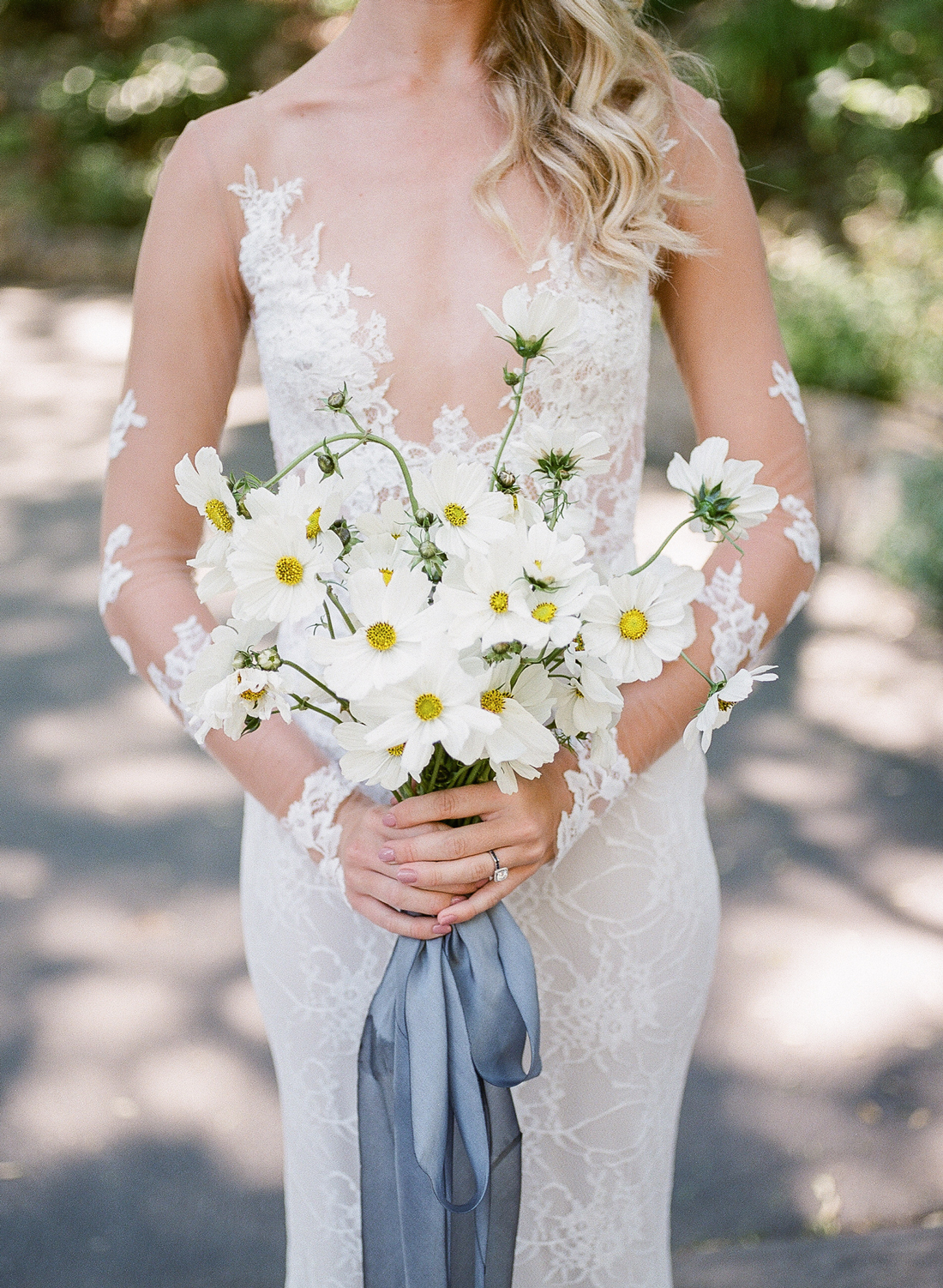 white cosmo floral wedding bouquet