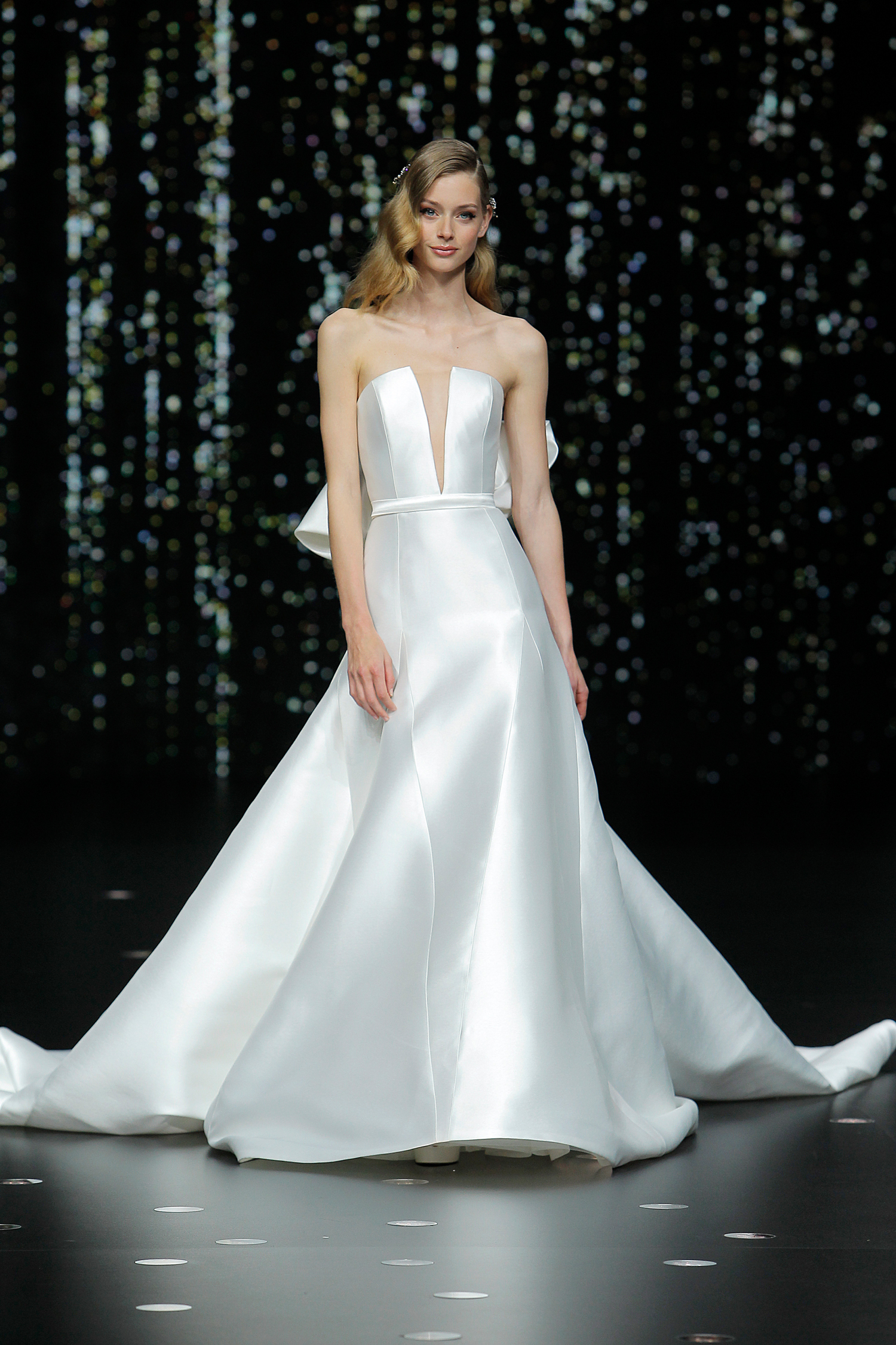 pronovias strapless plunging neckline a-line wedding dress spring 2020