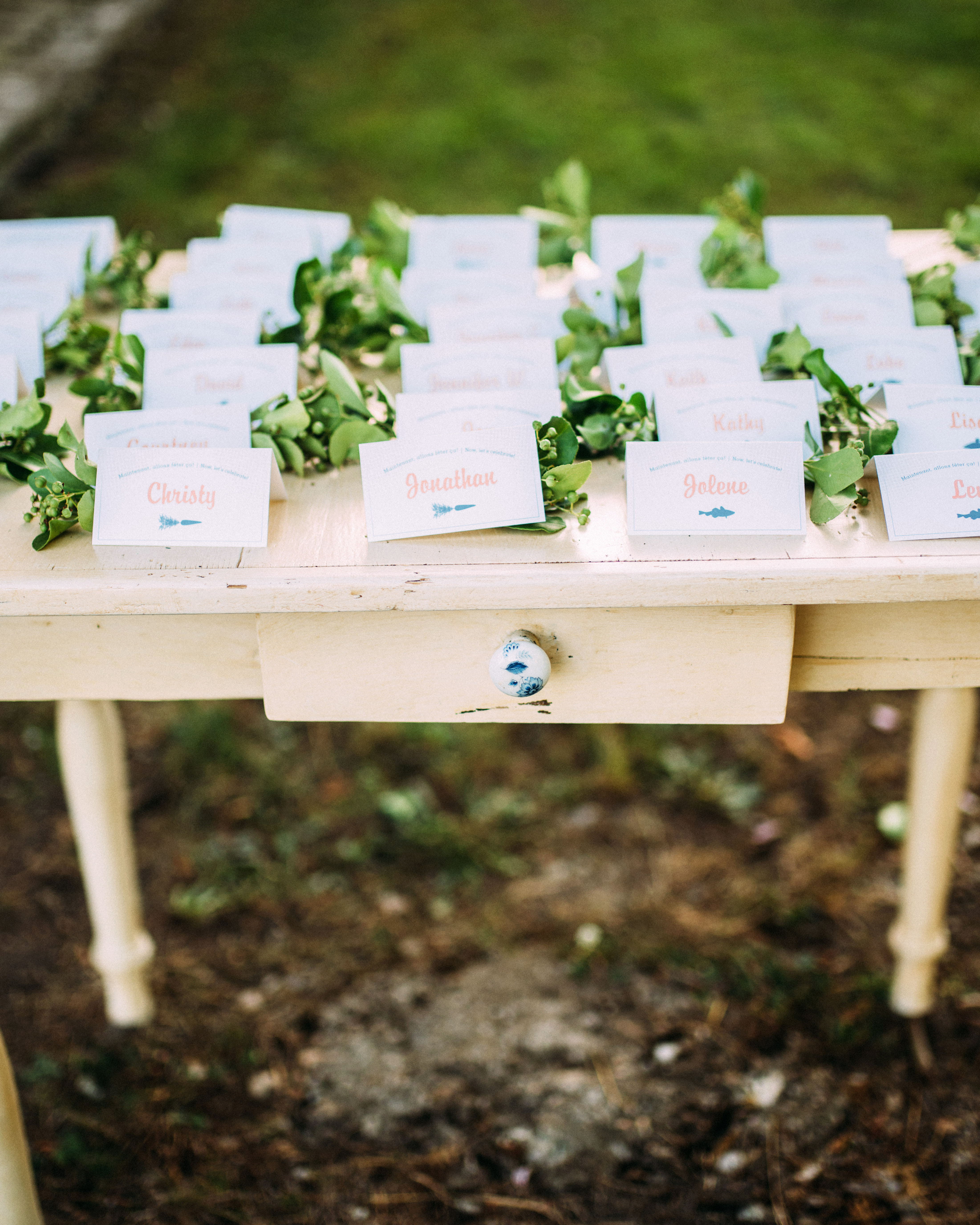 Easygoing Escort Cards