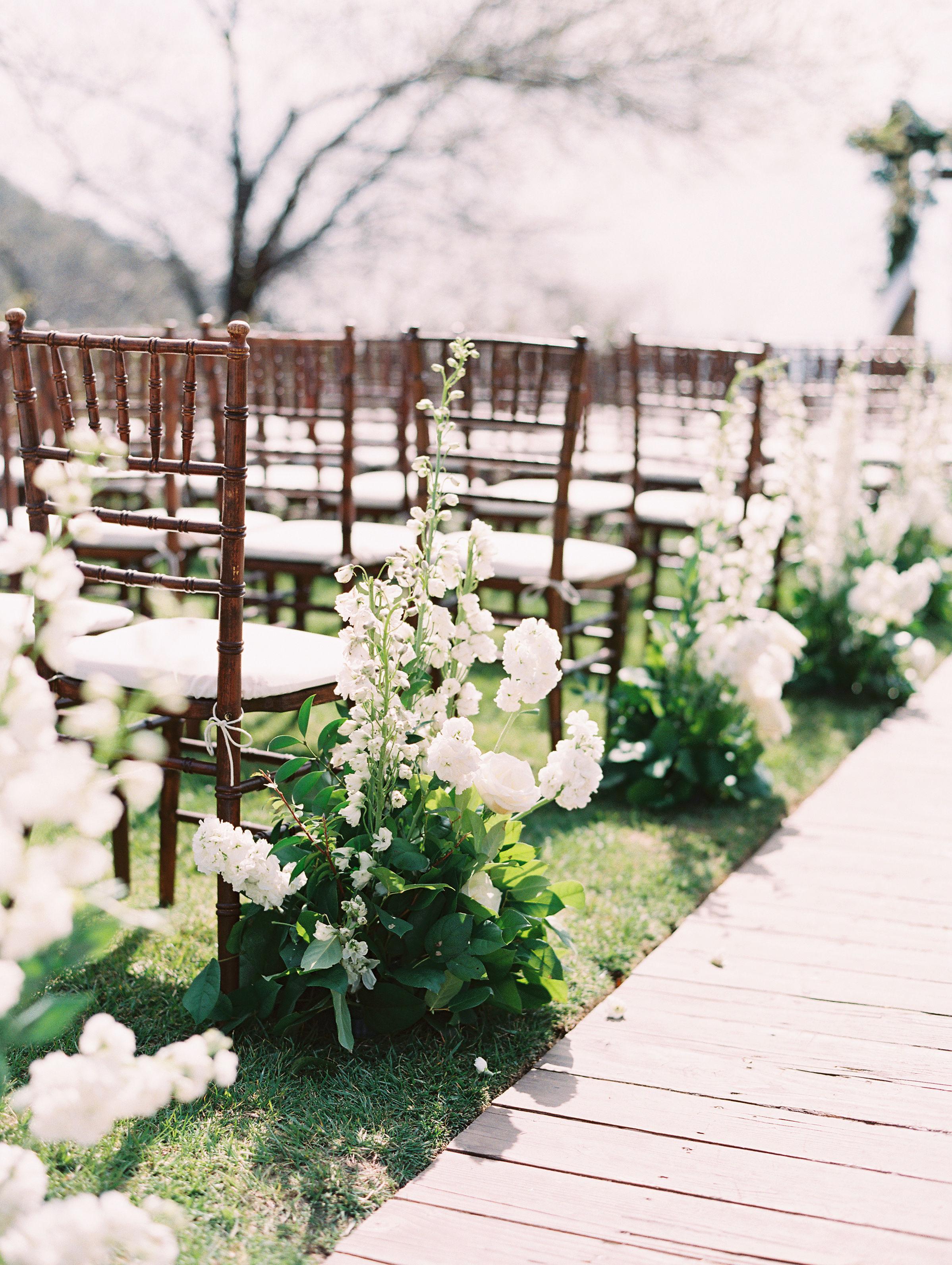 susie joe wedding aisle flowers