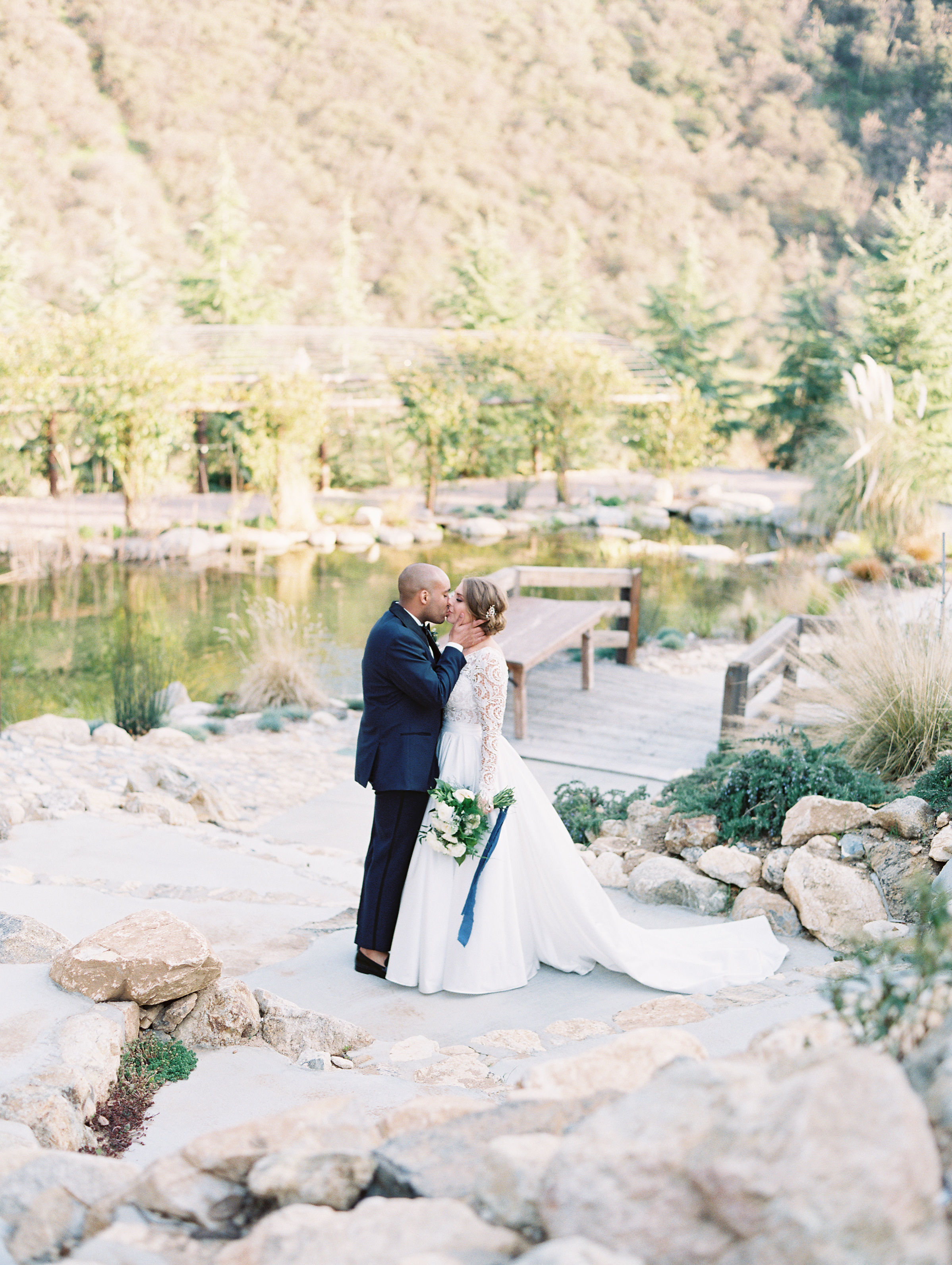 susie joe wedding couple kissing