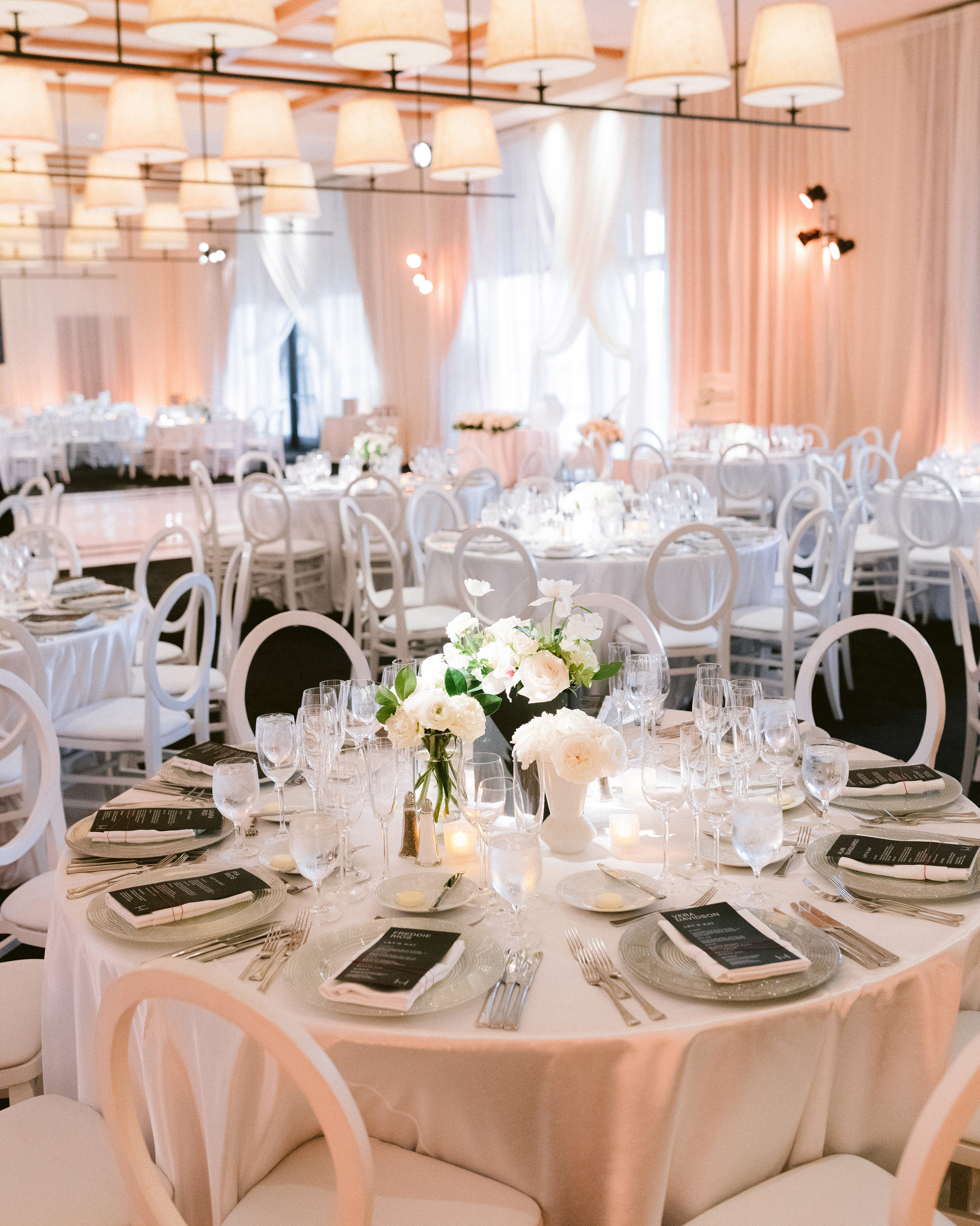henery michael wedding reception tables