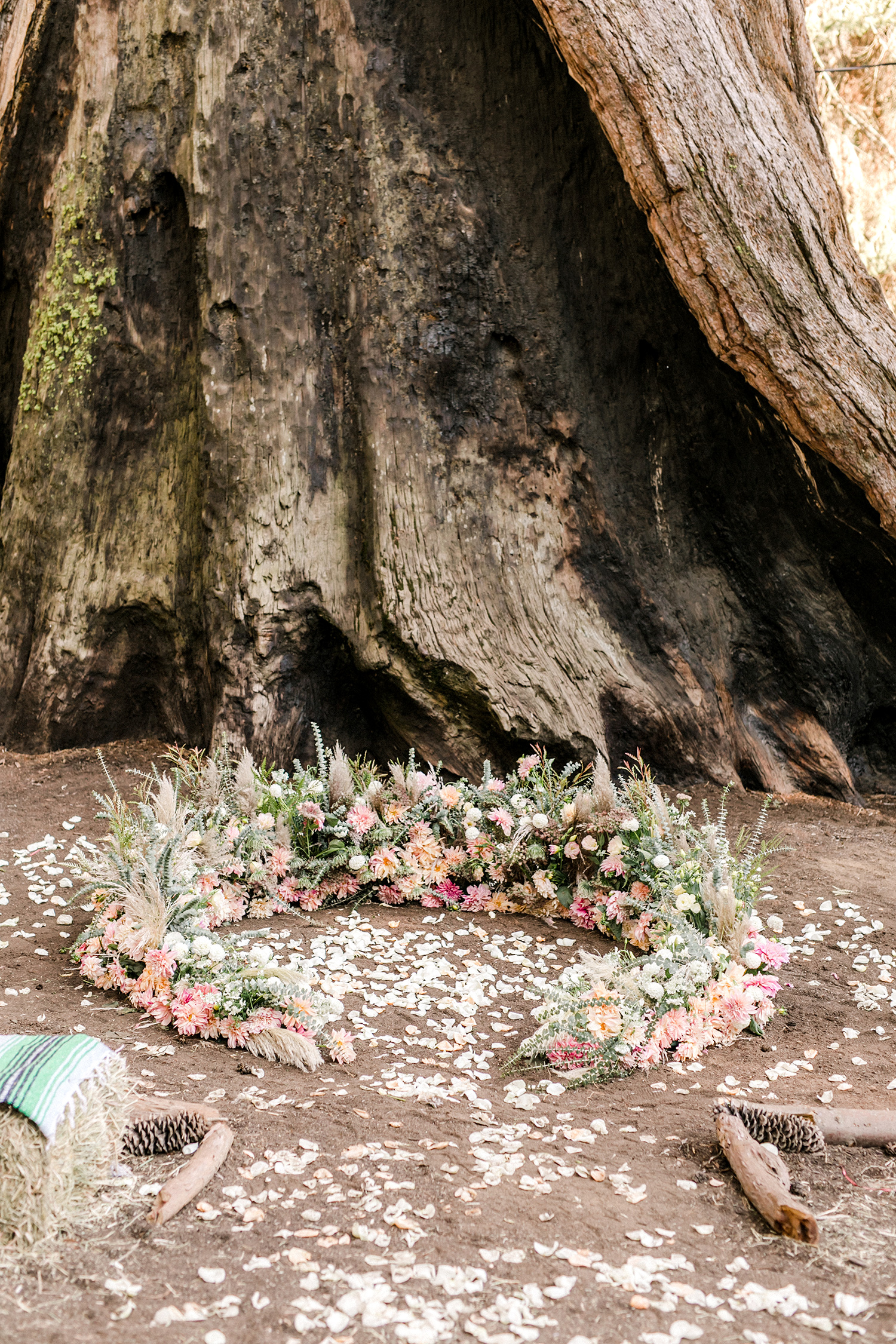 kelly kelsey wedding ceremony circle with flowers