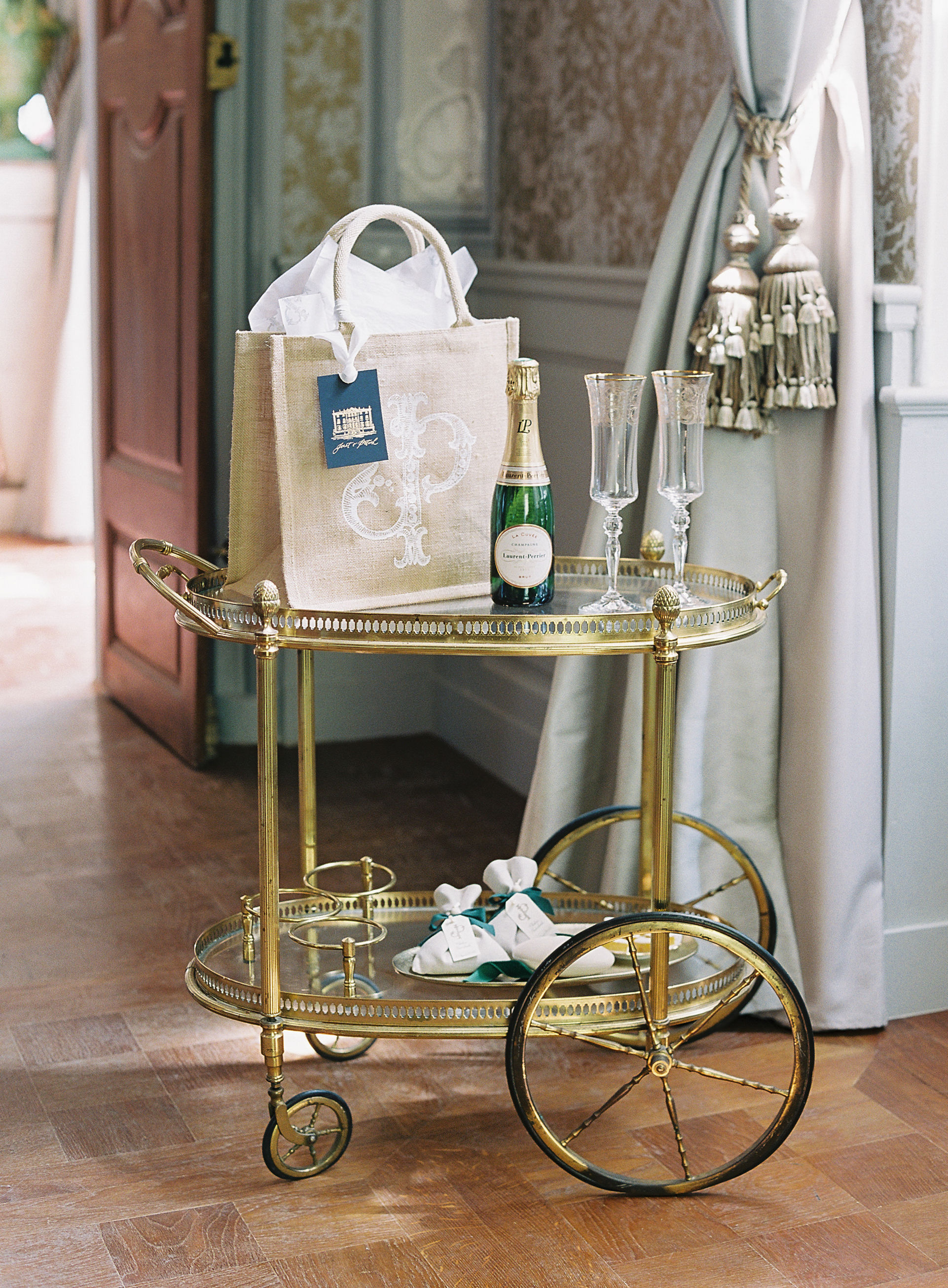 How to Create a Build-Your-Own Welcome Bag Station for Your Wedding Guests