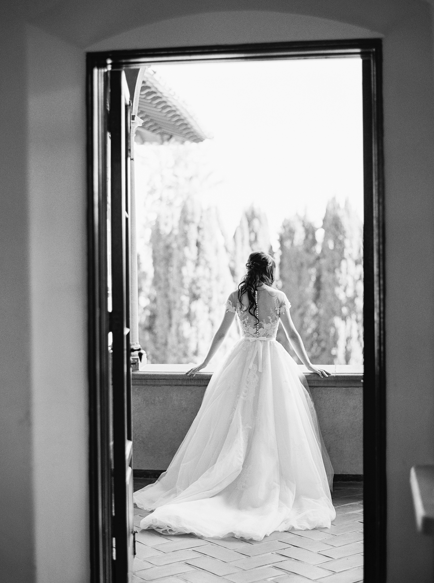 Five Times Every Bride Should Stick Up for Herself When Dress Shopping