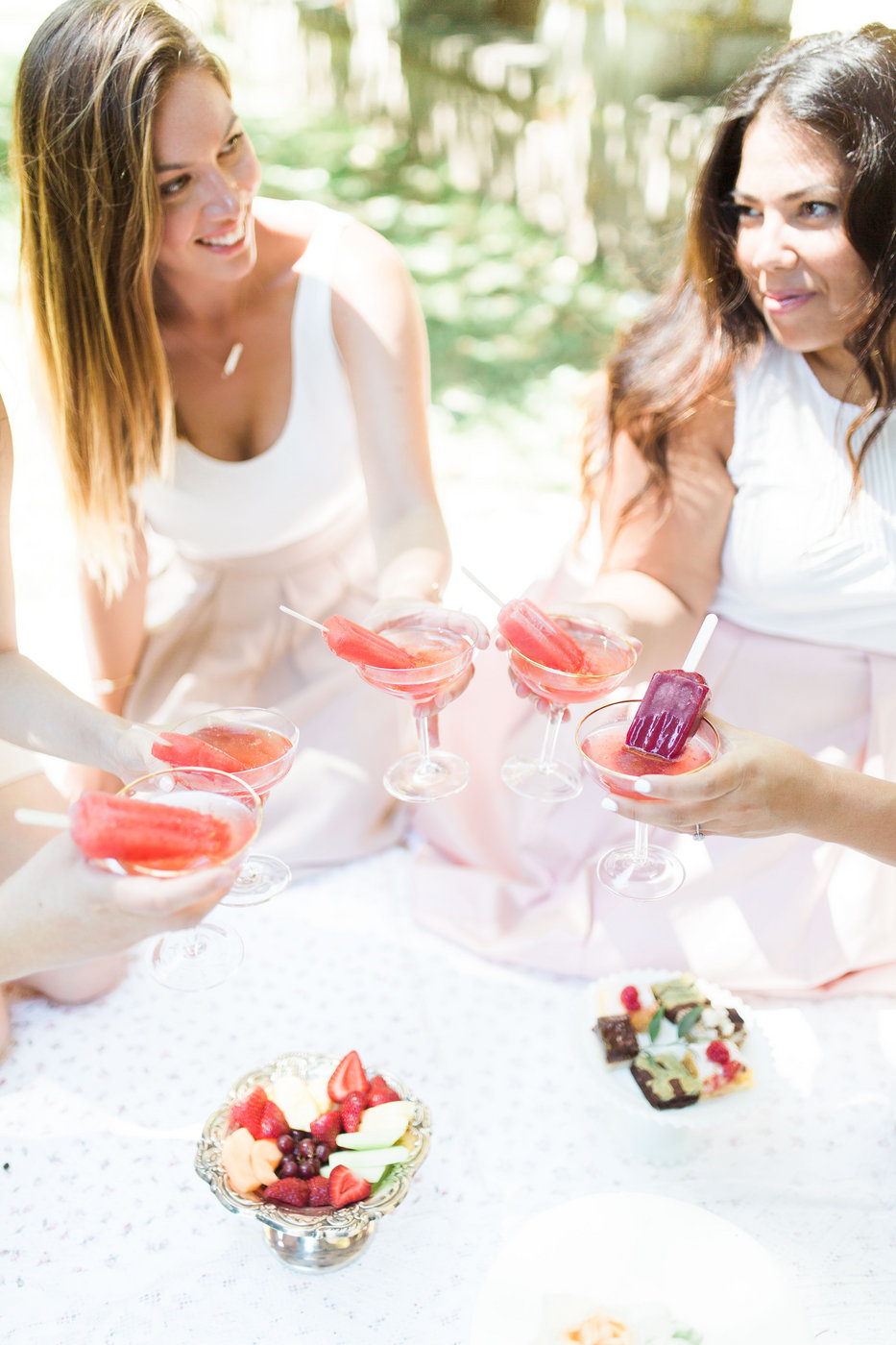 Do You Need to Serve a Full Meal at the Bridal Shower? Here's How to Decide