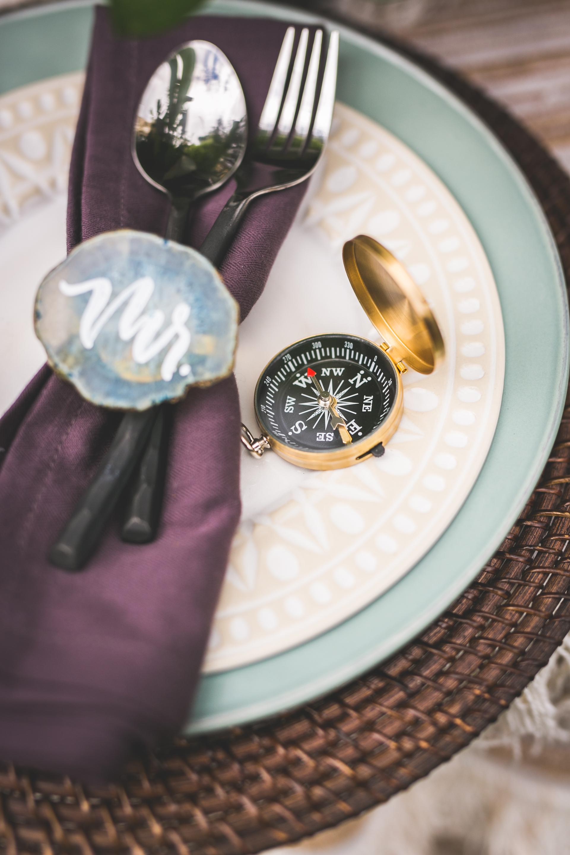 compass wedding ideas place setting adornment