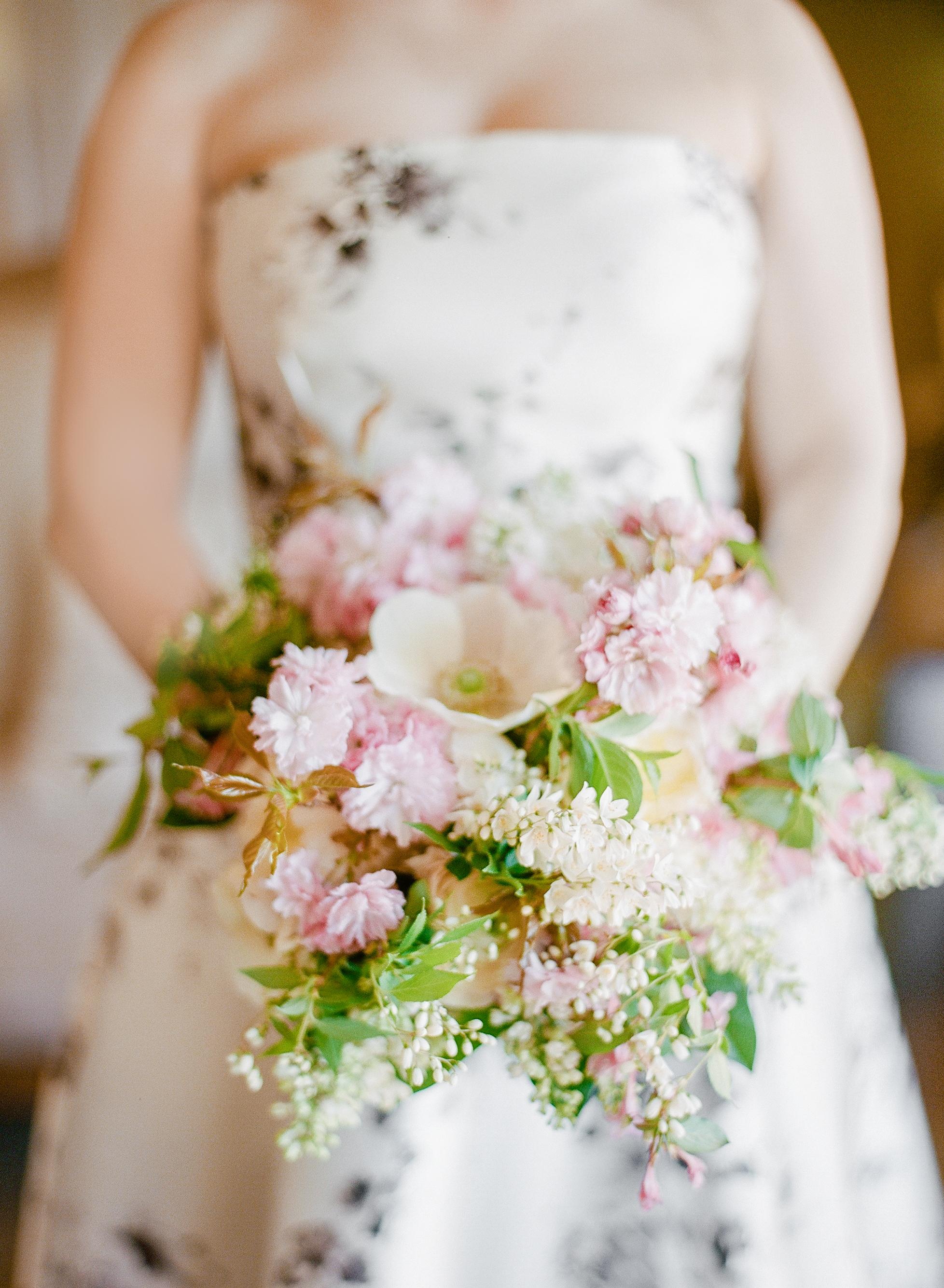 mechelle julia wedding bouquet