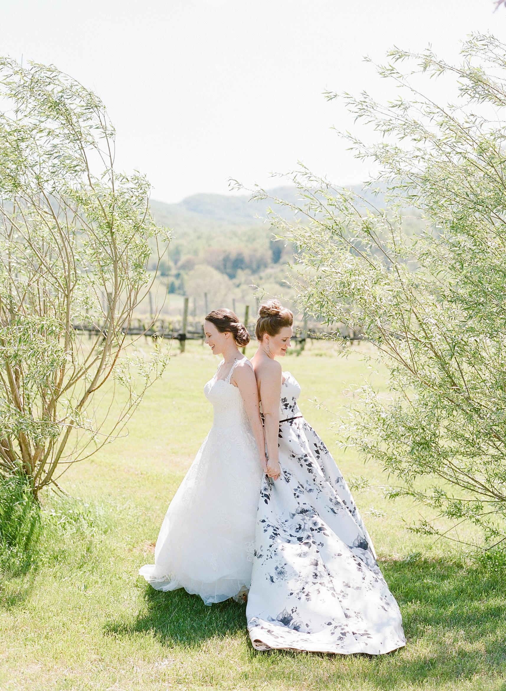 mechelle julia wedding brides couple first look