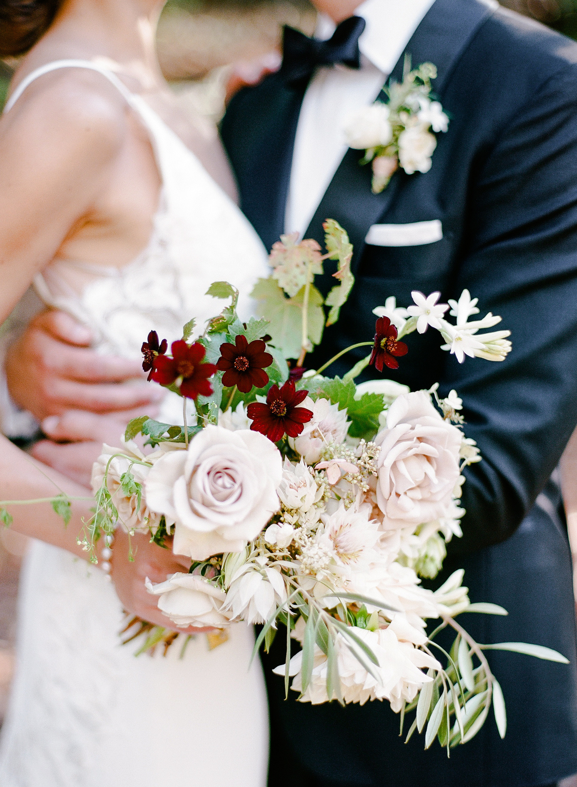 16de151d096 Our Favorite Floral Perfumes to Match Your Wedding Bouquet   Martha Stewart  Weddings