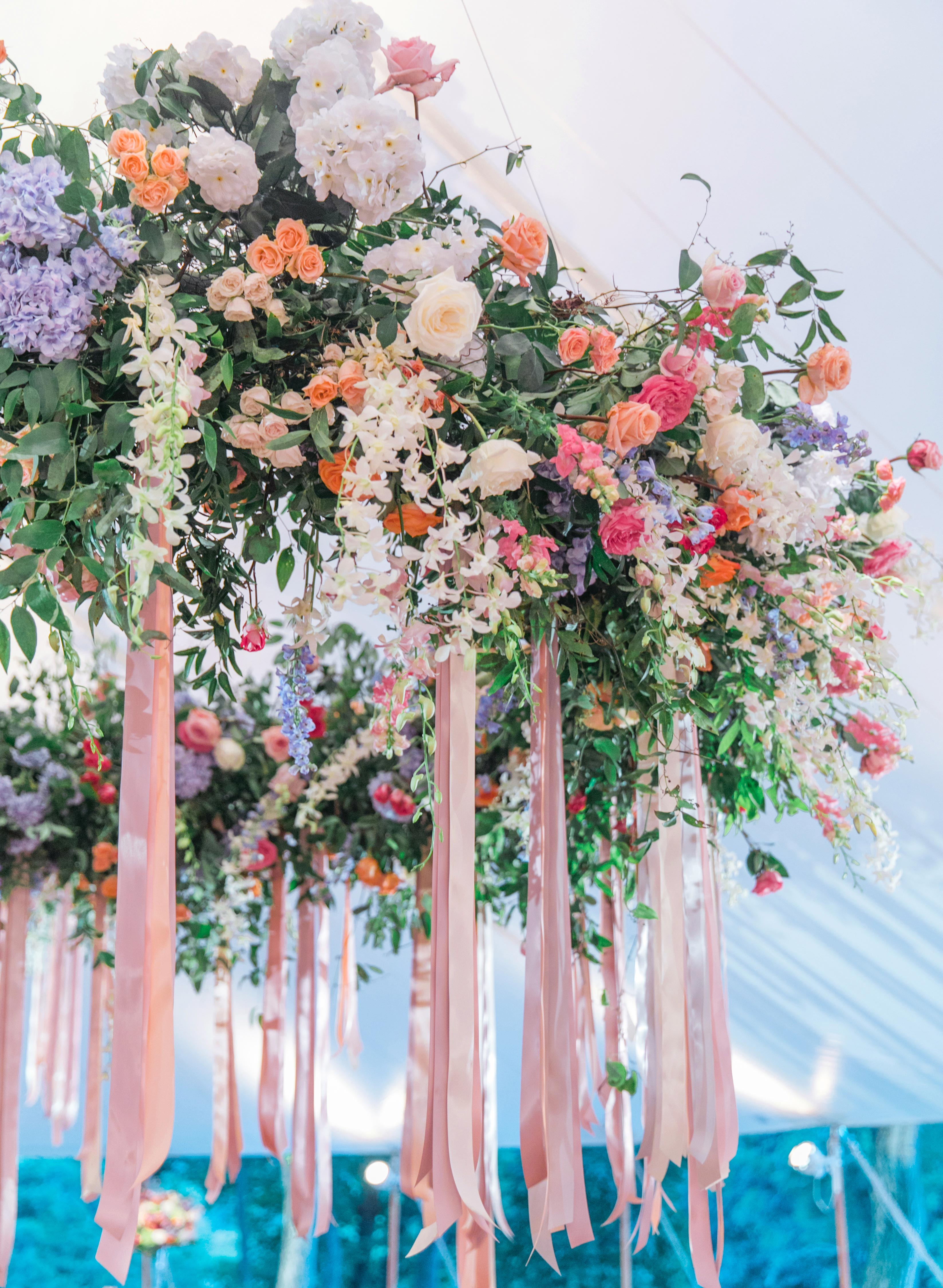 summer wedding flowers jodi and kurt