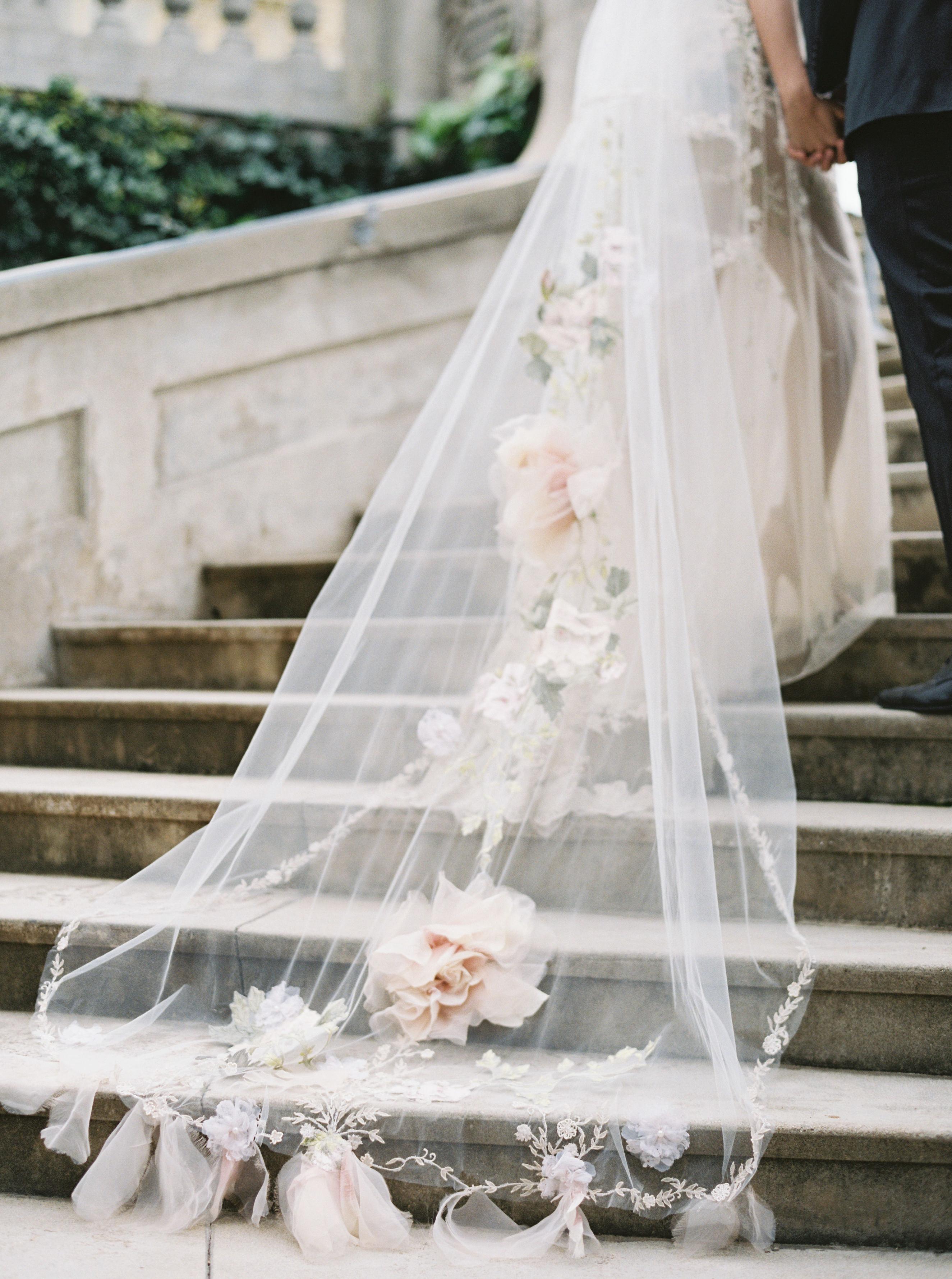 veil wearing trailing veil with dahlias