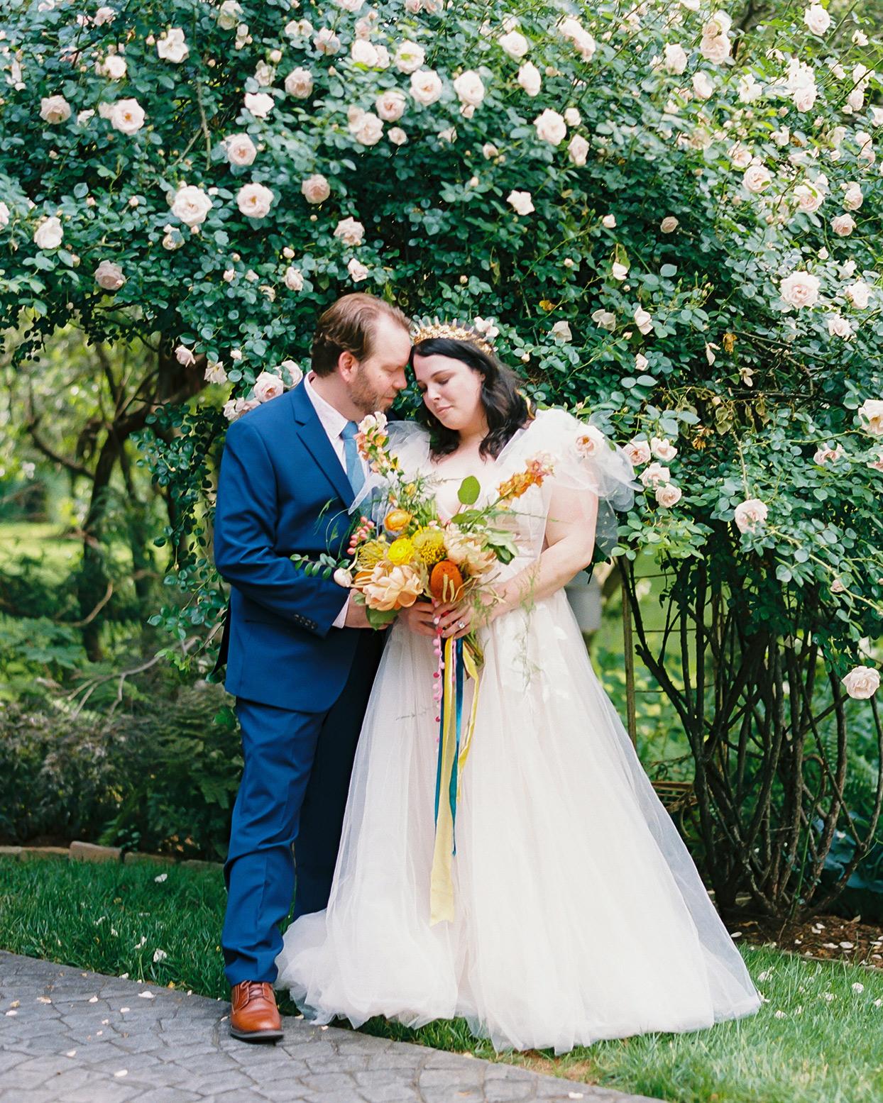 ashley scott wedding couple in garden