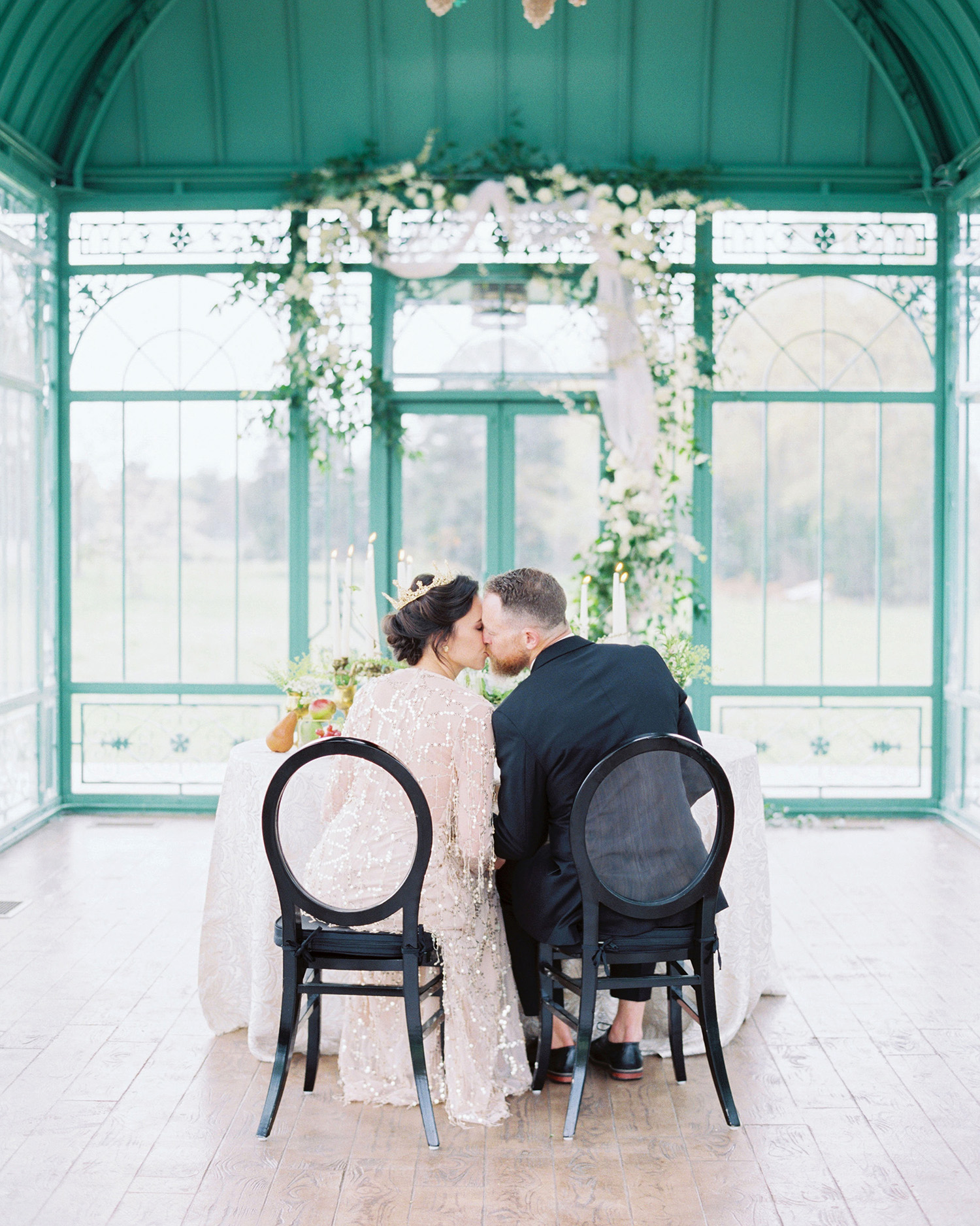 evan dustin vow renewal bride groom couple sweetheart table kiss