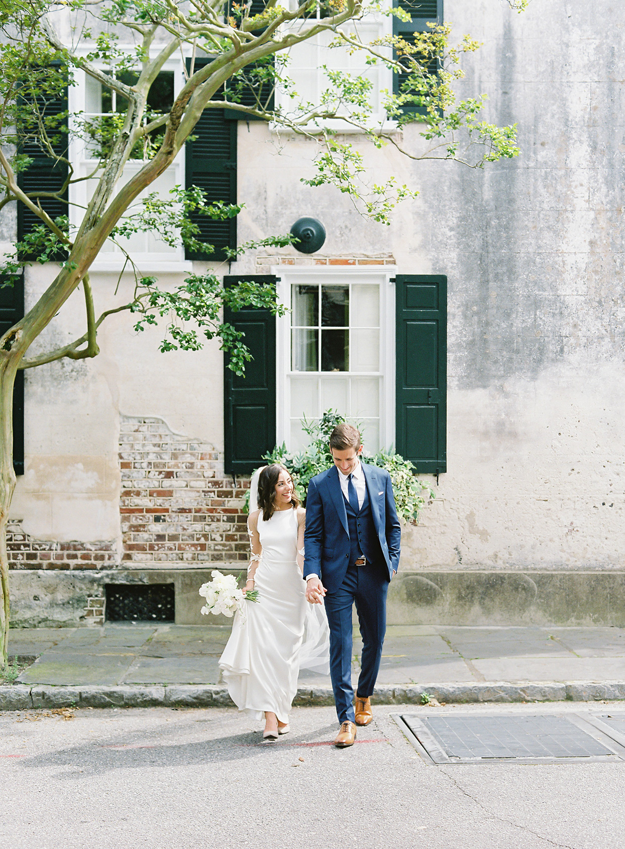 This Couple Celebrated Their Charleston Nuptials on the Porch of an 18th-Century Estate