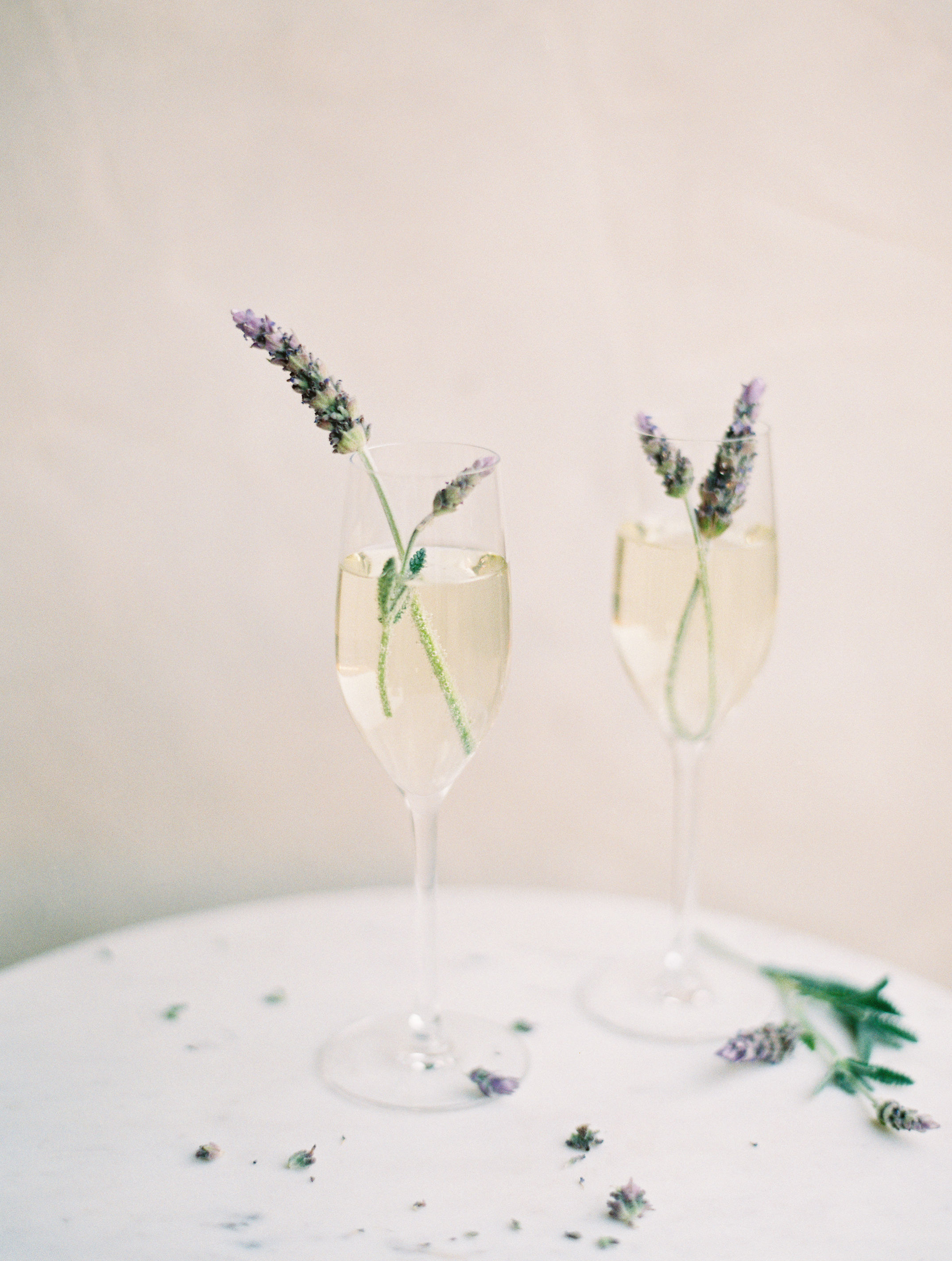 wedding cocktails with garnish