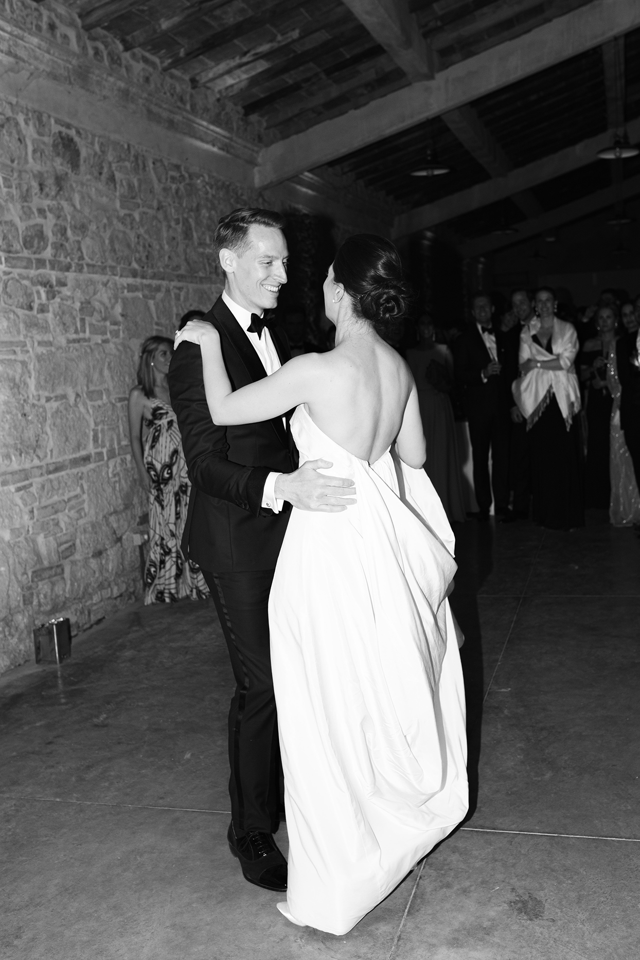jennifer tobias wedding first dance