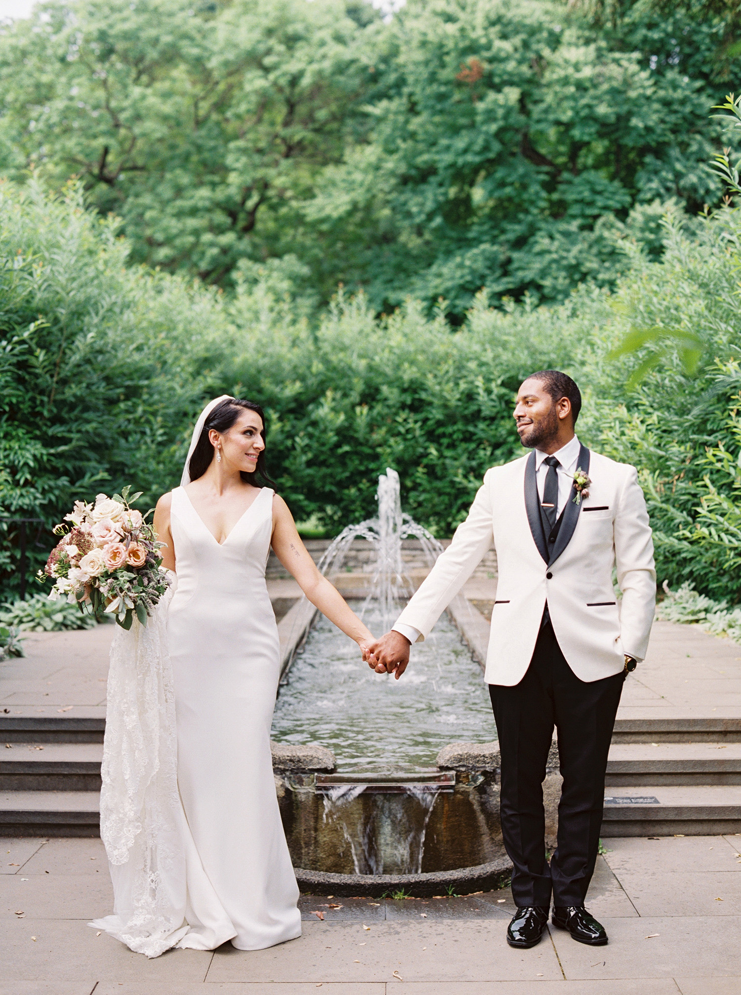 This Philadelphia Garden Wedding Was Full of Emotional Family Moments