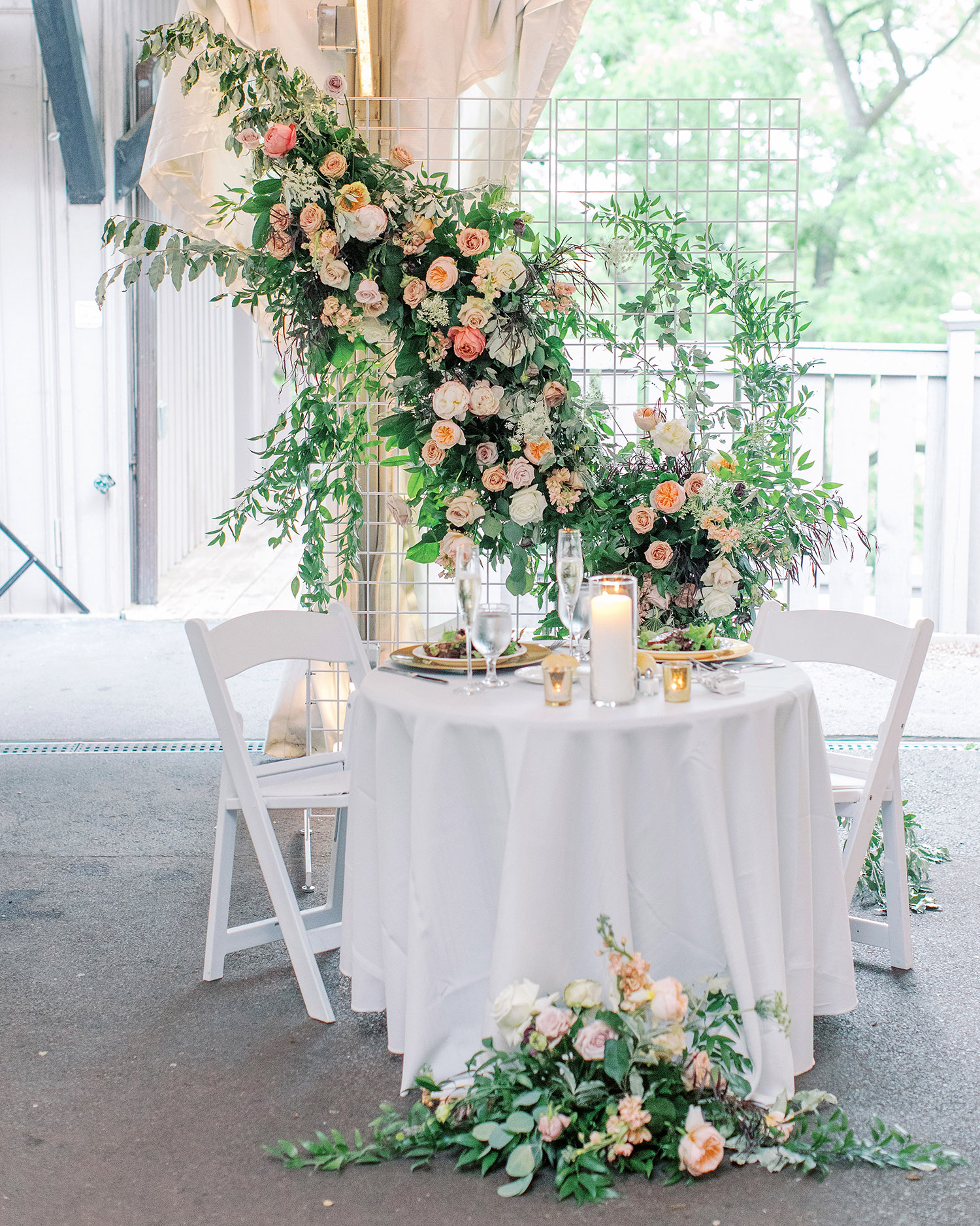noel mike wedding reception sweetheart table