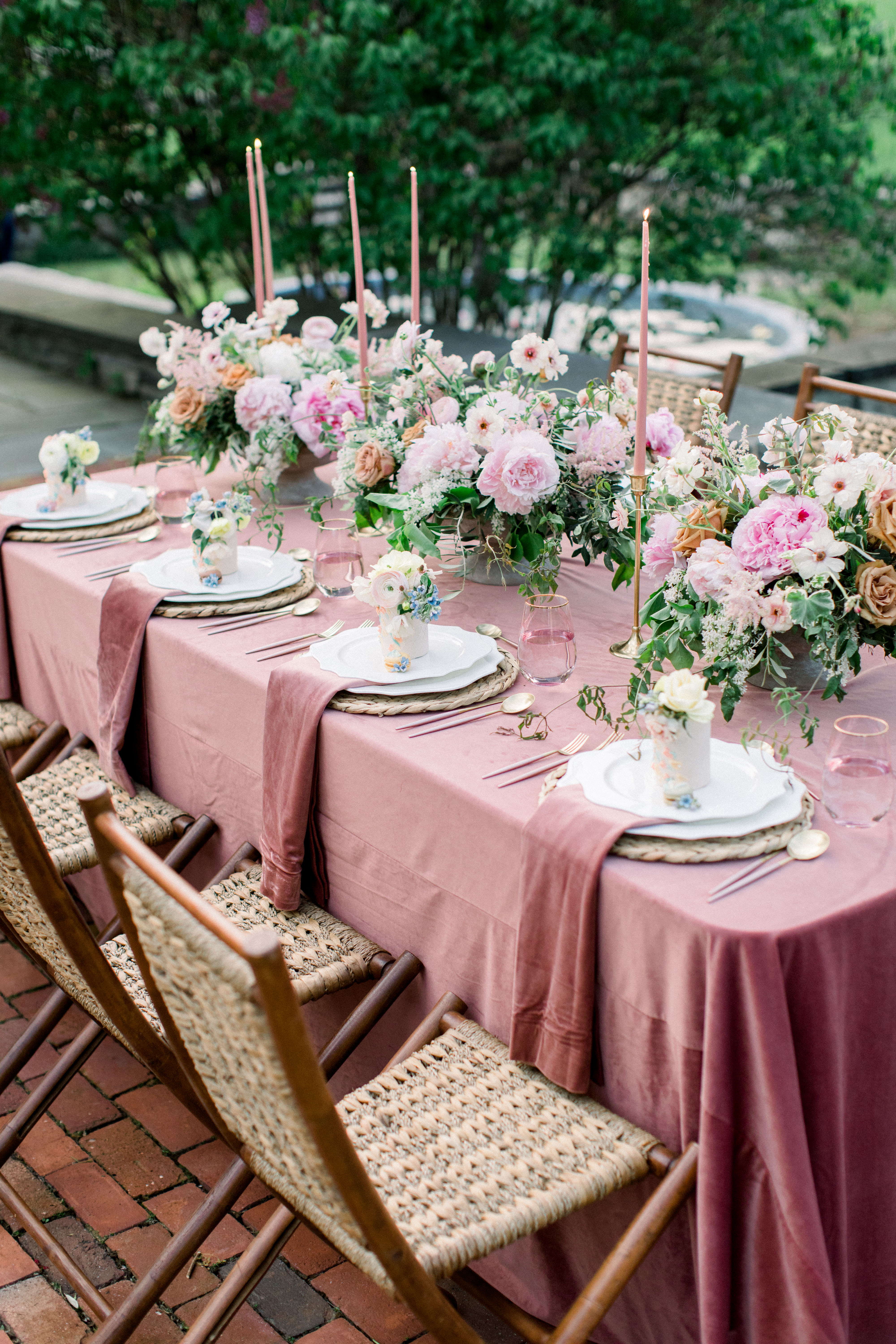 summer rehearsal dinner pink tablescape