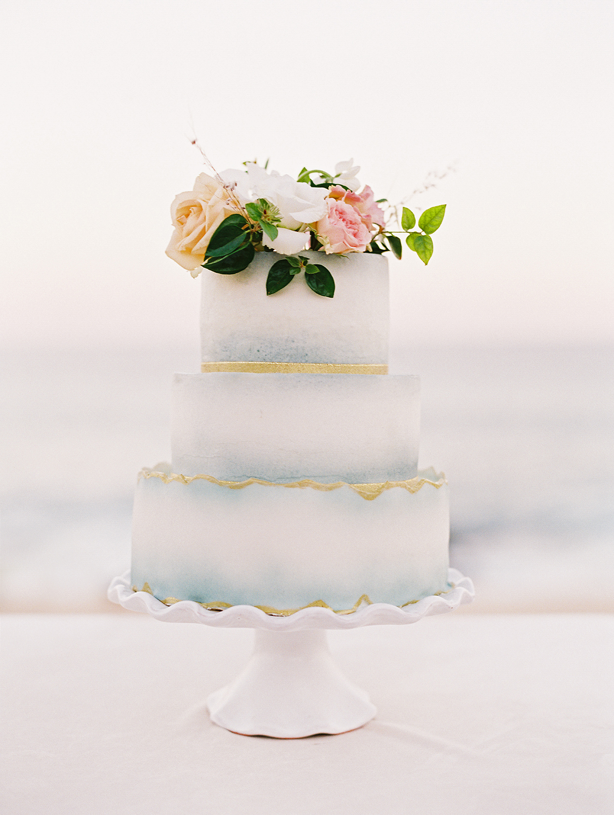 kirsten deran white wedding cake