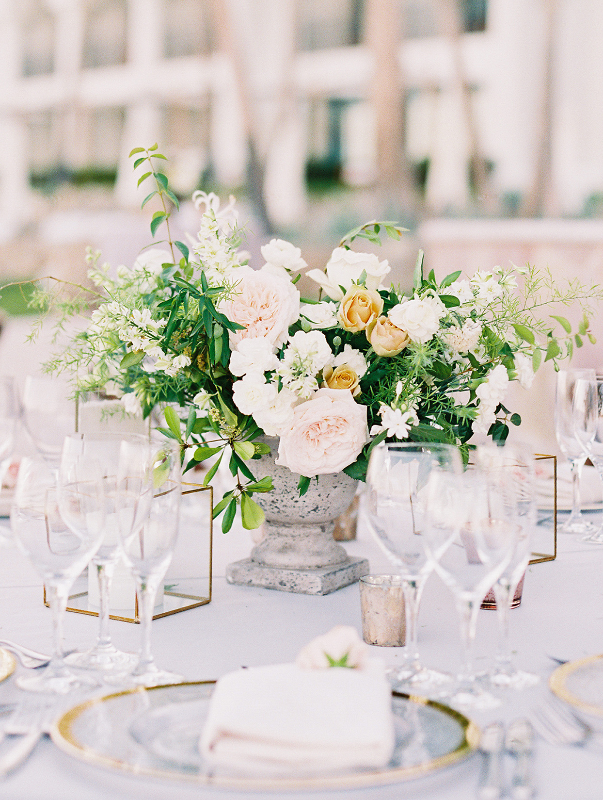 kirsten deran wedding floral centerpiece