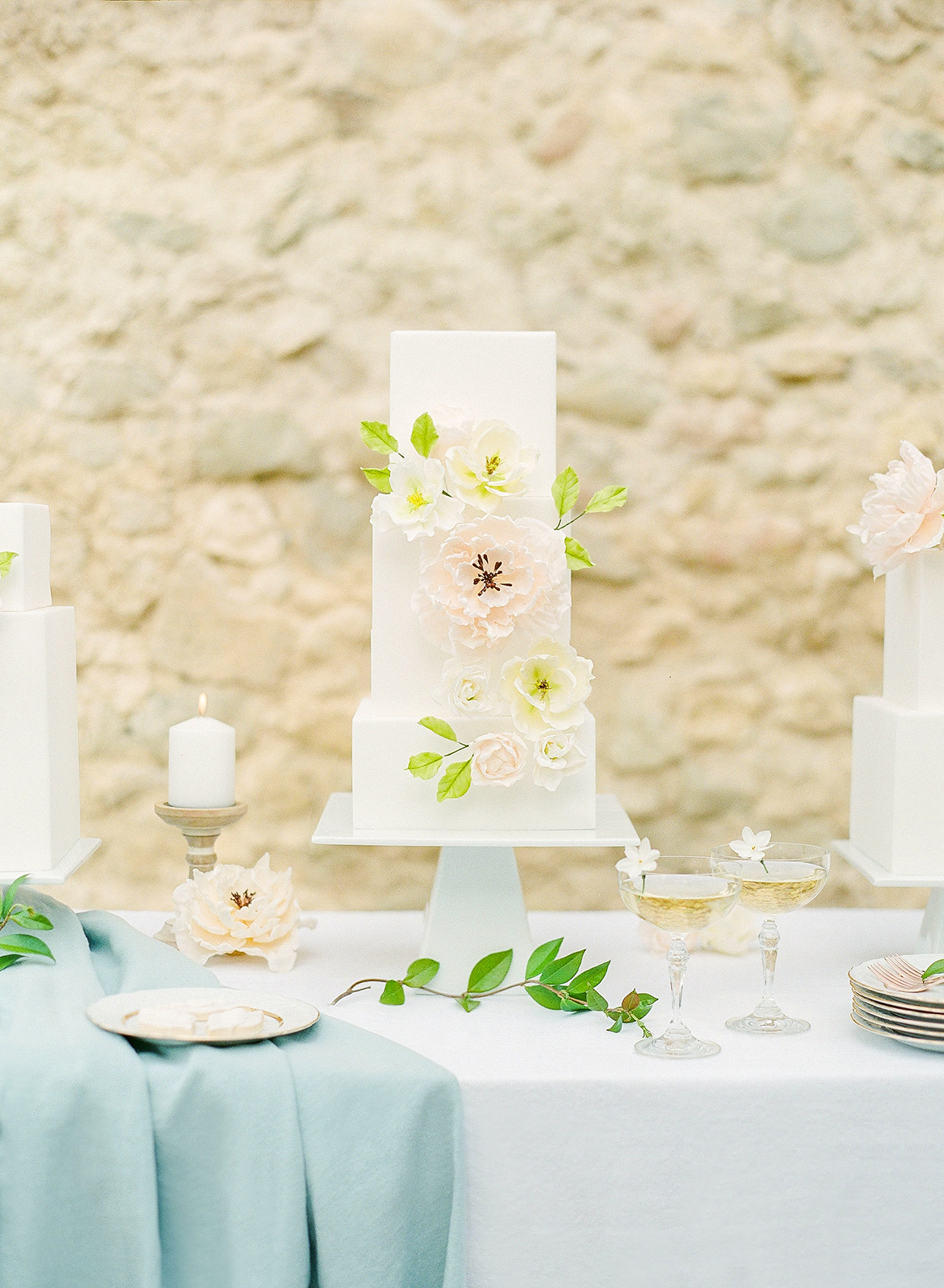34 White Wedding Cakes for Every Kind of Celebration