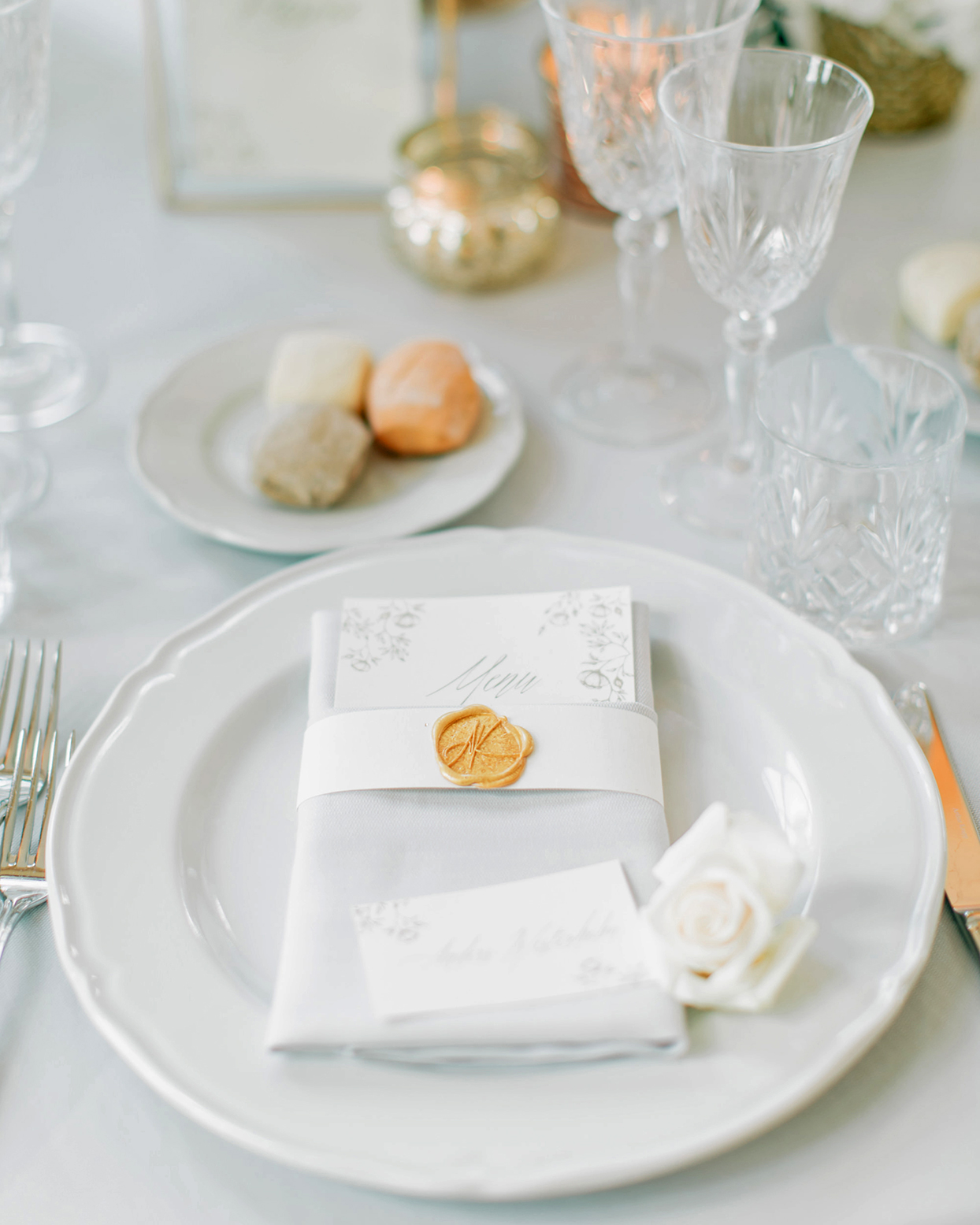 kiira arthur wedding elegant white and gold place setting