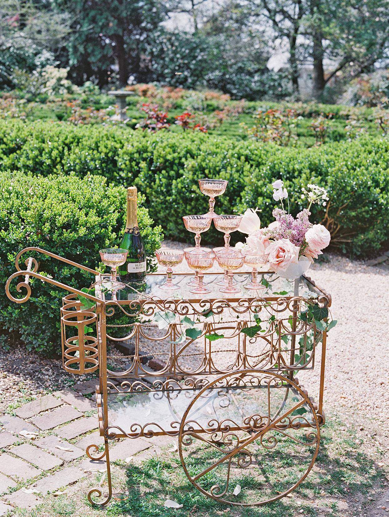 champagne wedding ideas old-fashioned decorative cart