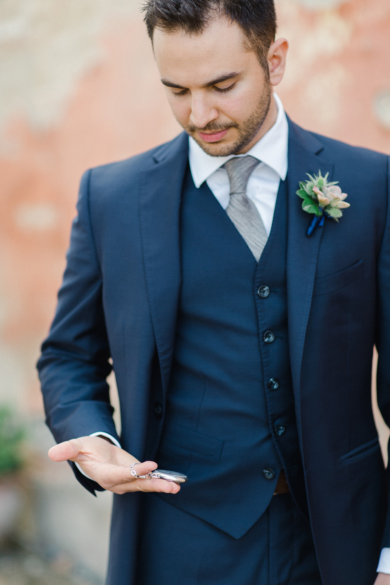 groom navy blue wedding suit grey tie