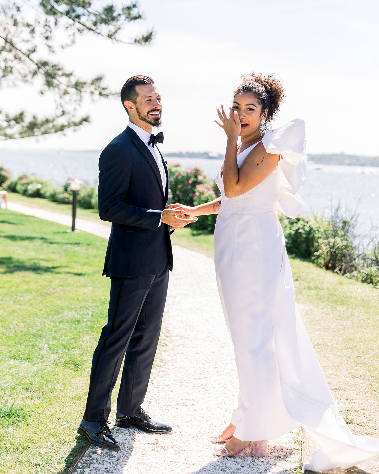 dalila elliot wedding couple first look
