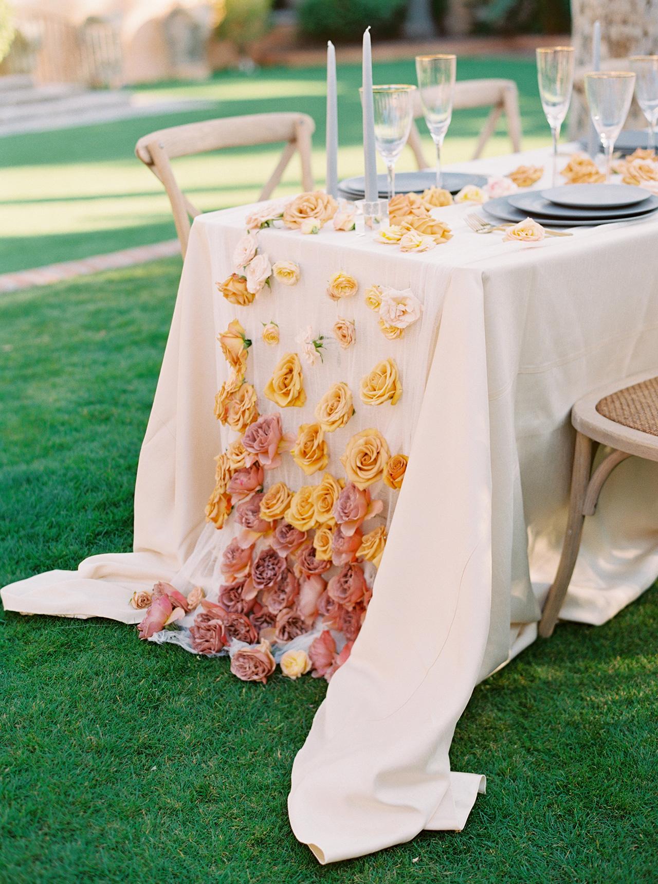 table cloth blanket of flowers display