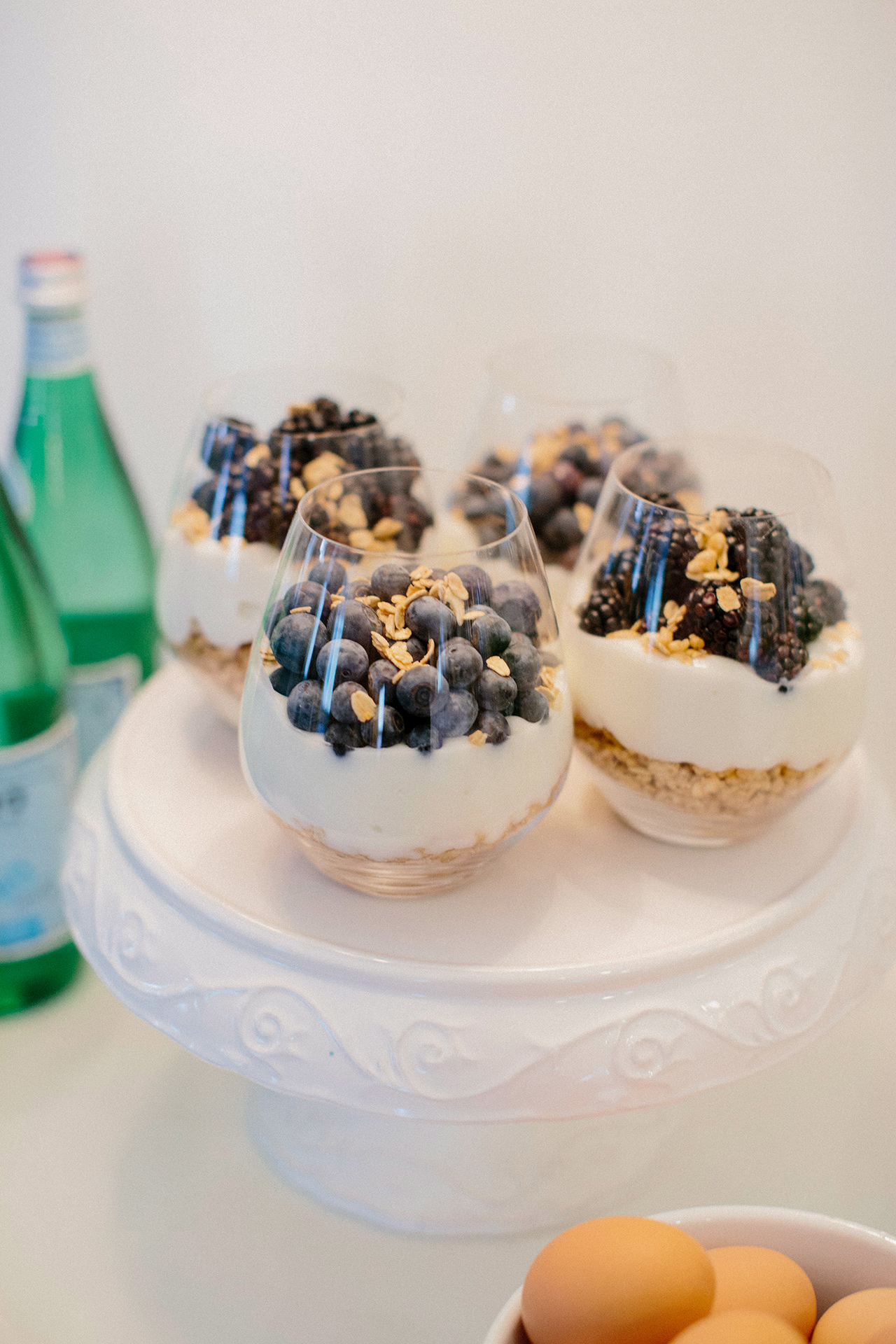 berry oat yogurt parfaits breakfast treat
