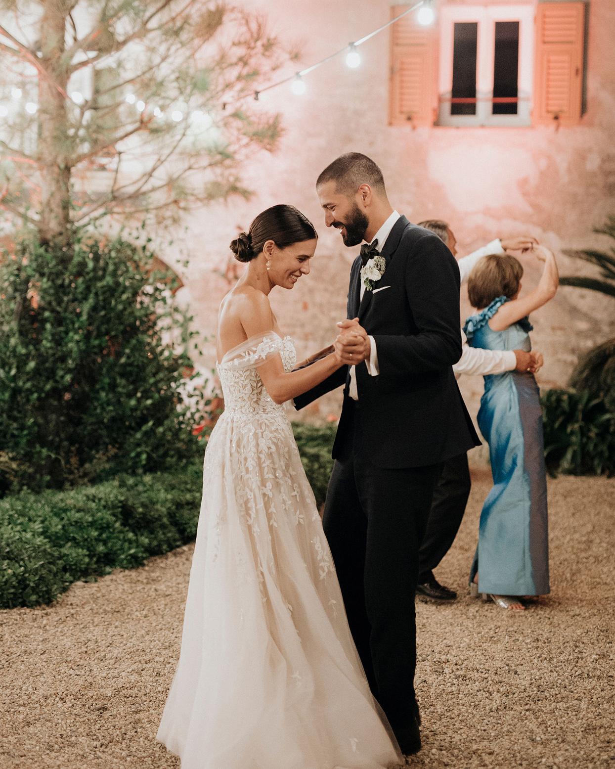 jaclyn antonio wedding bride and groom dancing
