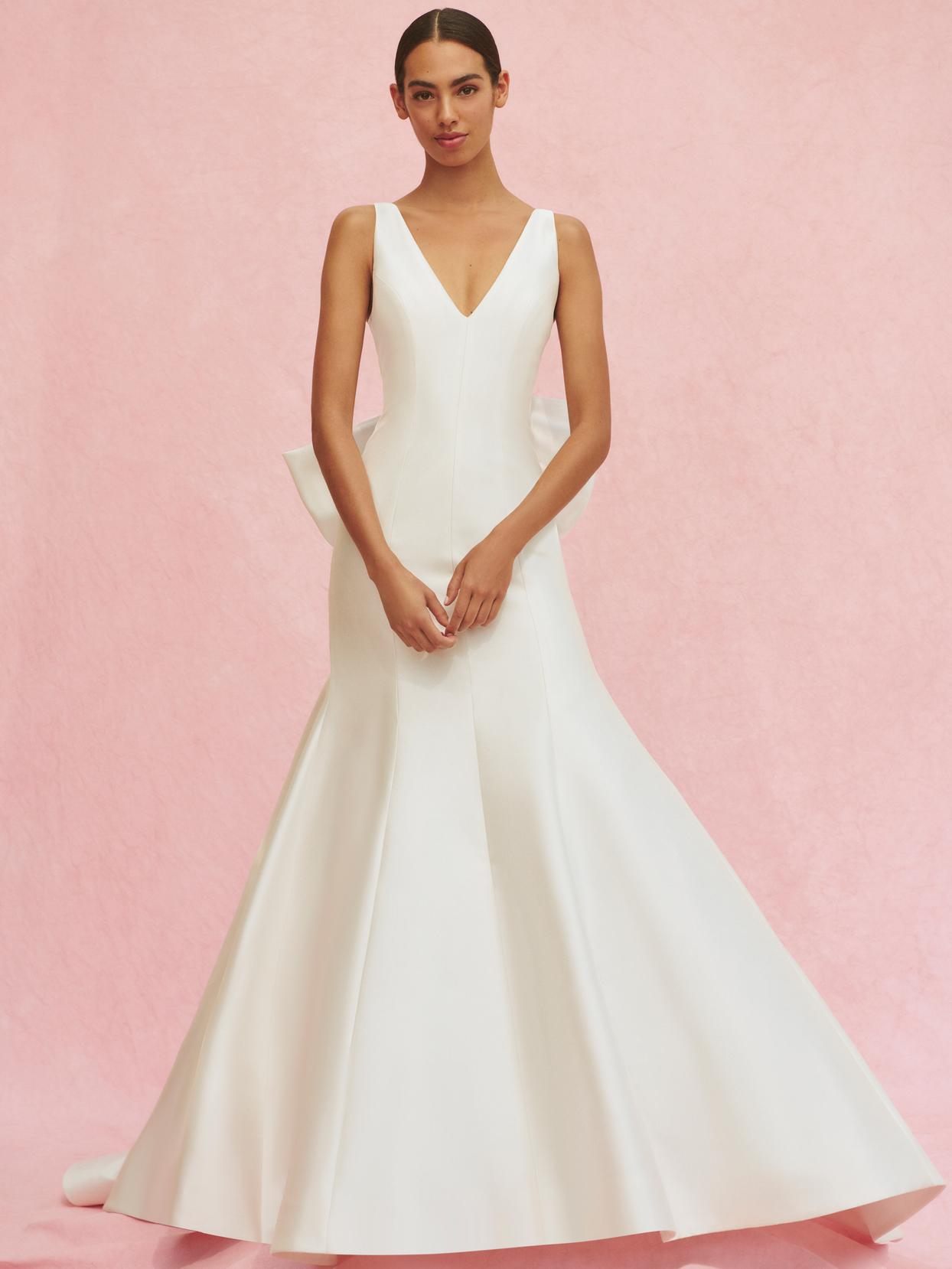carolina herrera v-neck trumpet gown with back bow wedding dress fall 2020