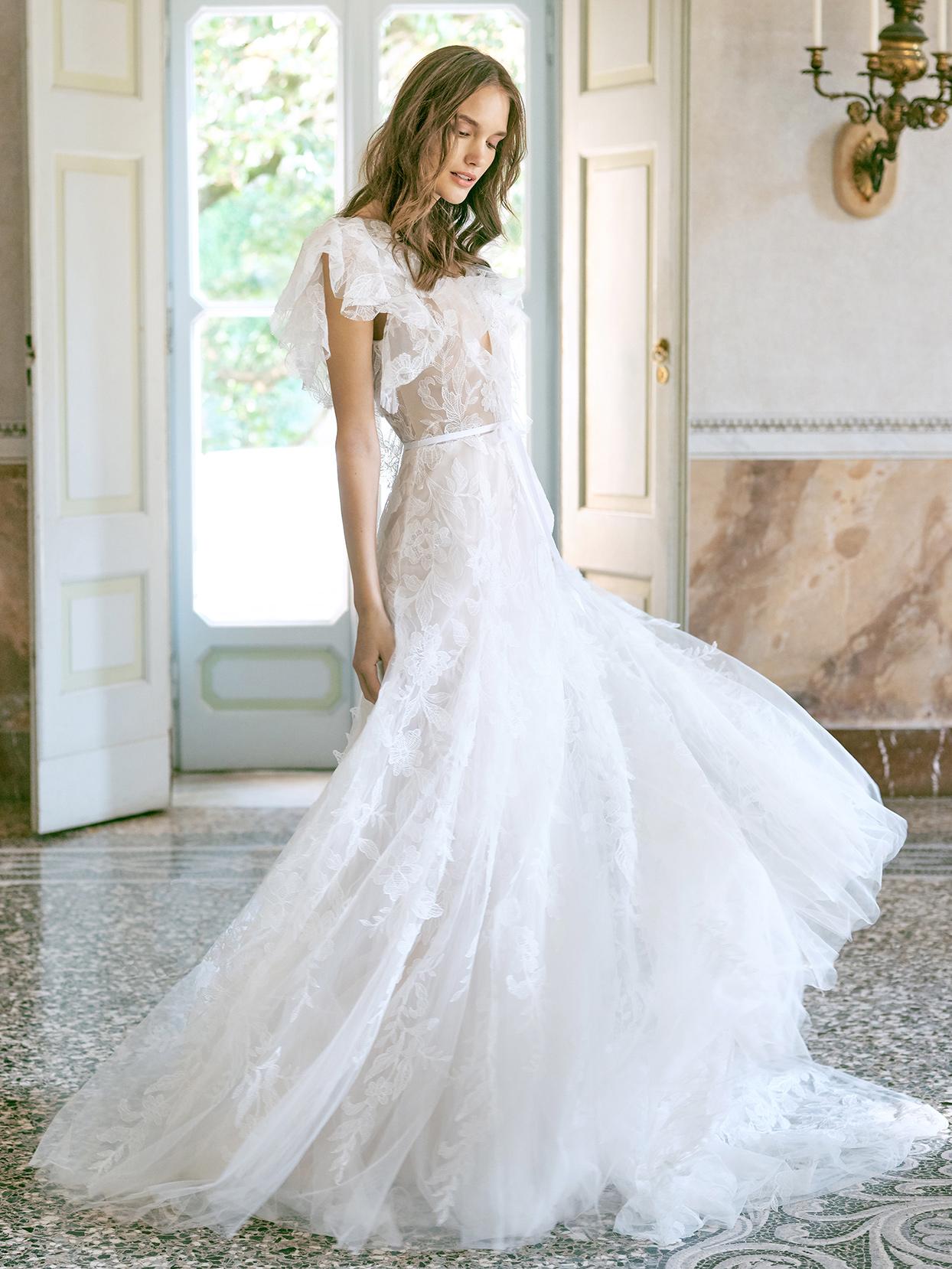 monique lhuillier lace trumpet wedding dress fall 2020