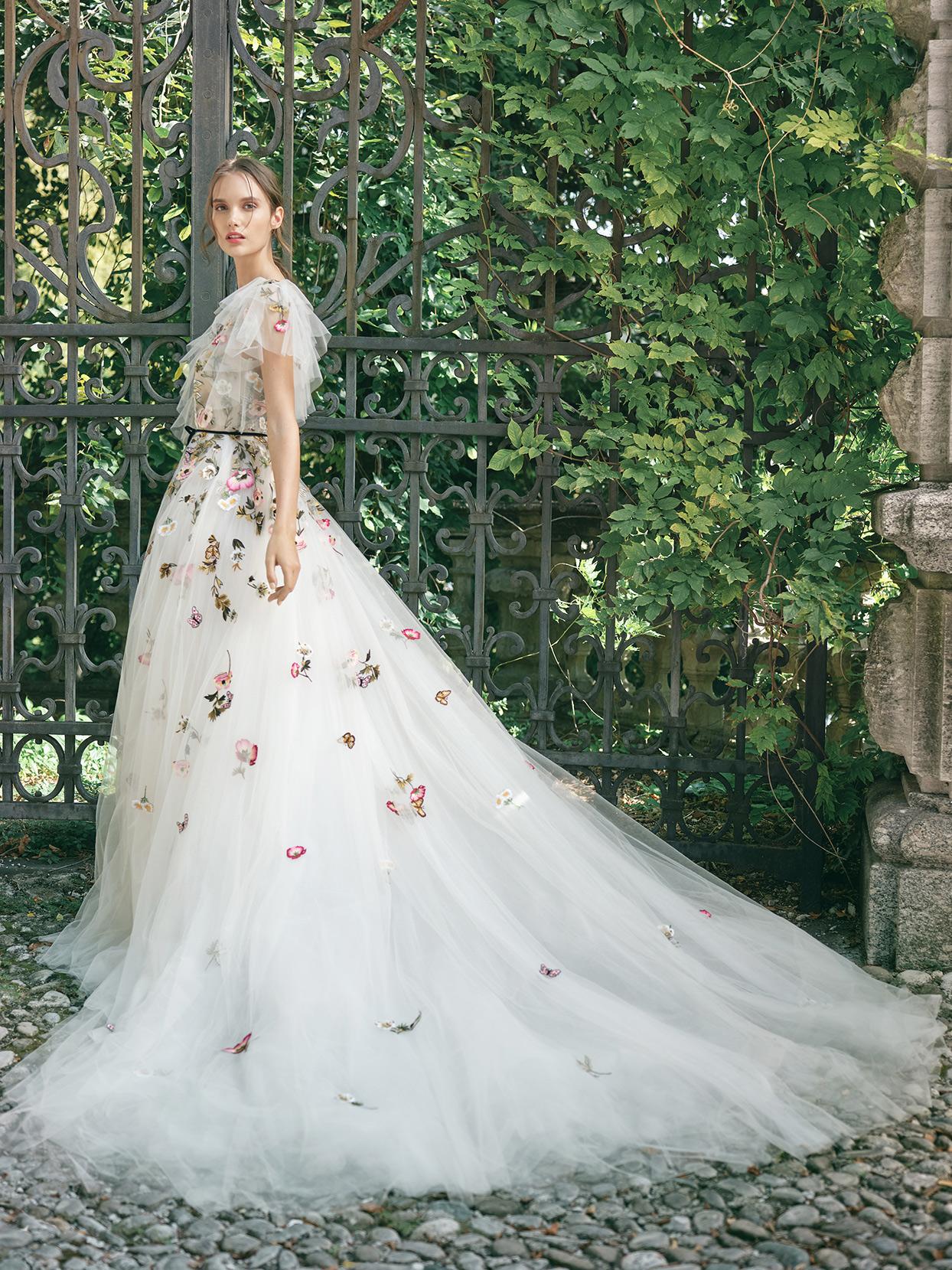 monique lhuillier tulle ball gown wedding dress fall 2020