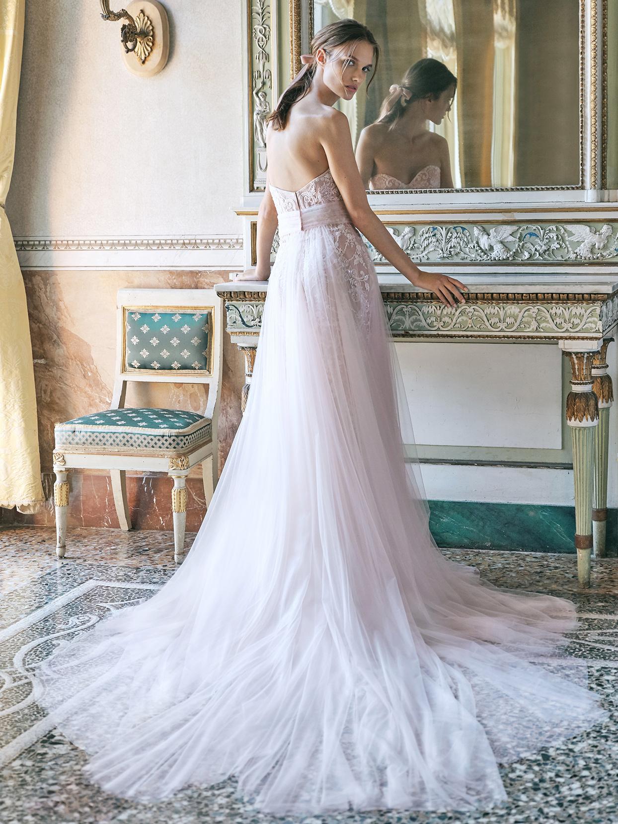 monique lhuillier sweetheart strapless wedding dress fall 2020