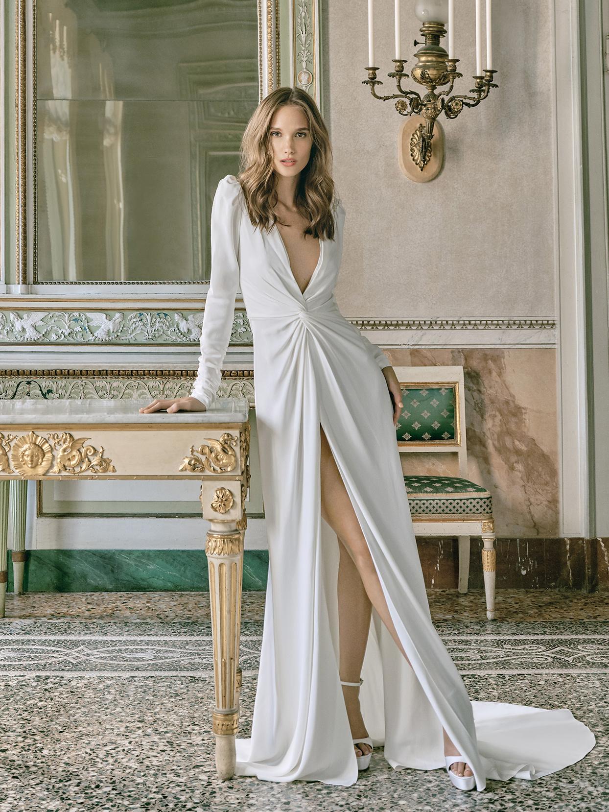 monique lhuillier plunging neck high slit wedding dress fall 2020