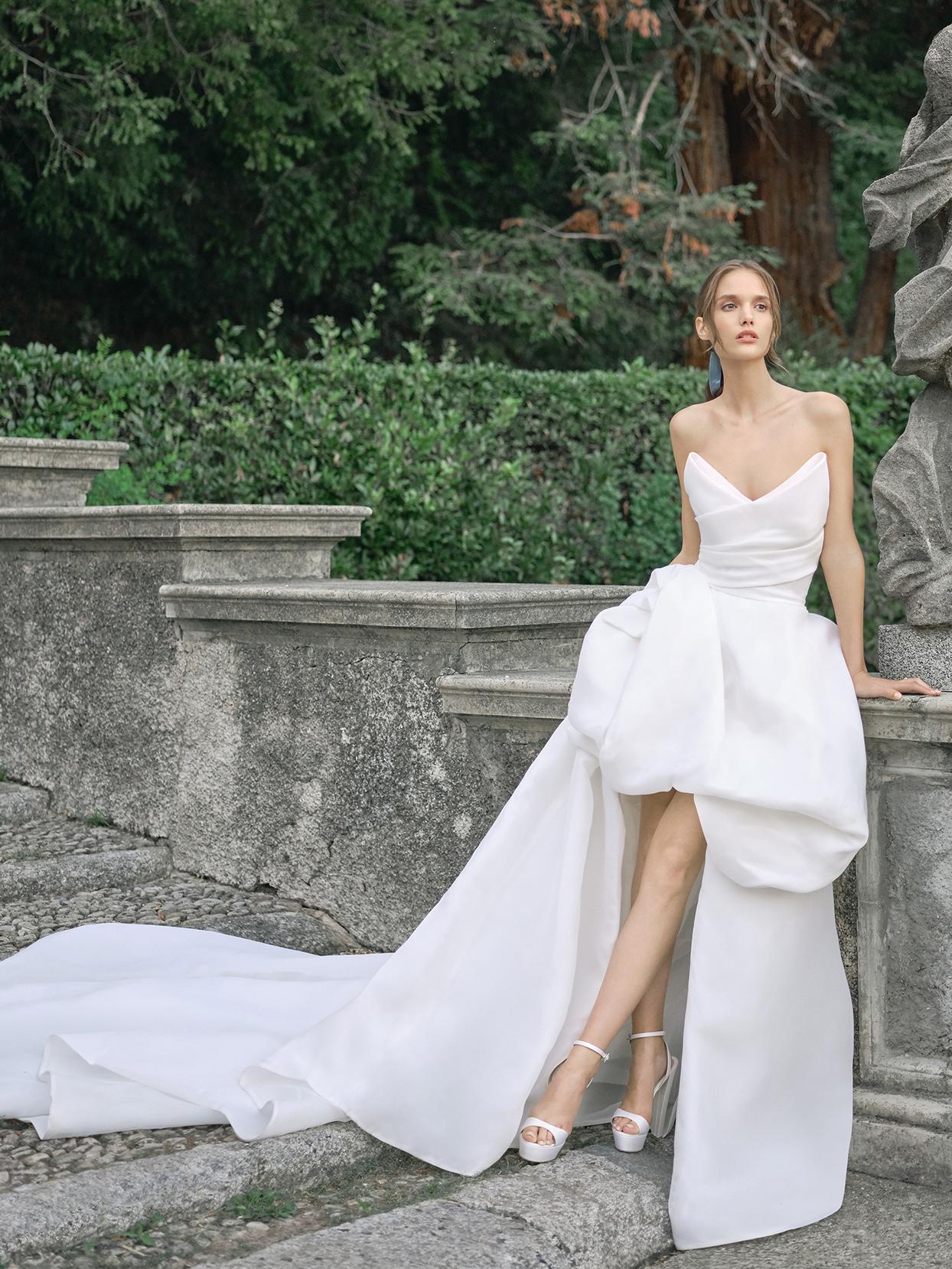 monique lhuillier strapless high-low wedding dress fall 2020